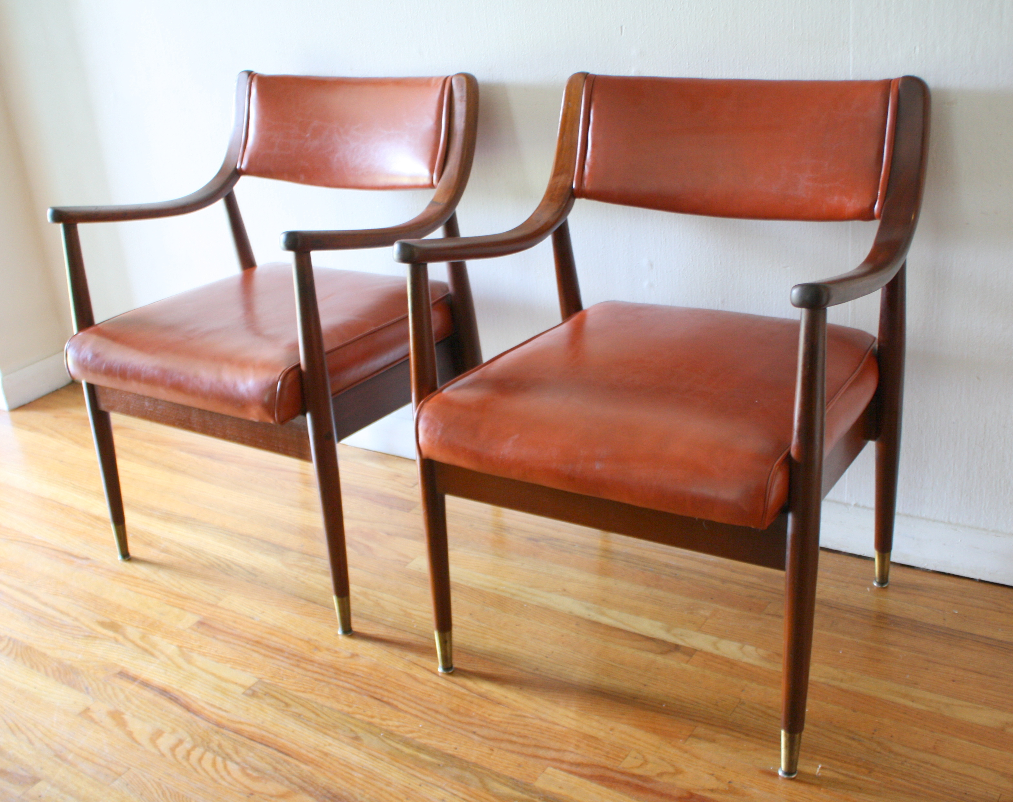Exceptionnel Mcm Pair Of Orange Chairs 3. Both Pairs Of Mid Century ...