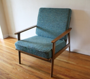 mcm arm chair with turquoise cushions 3