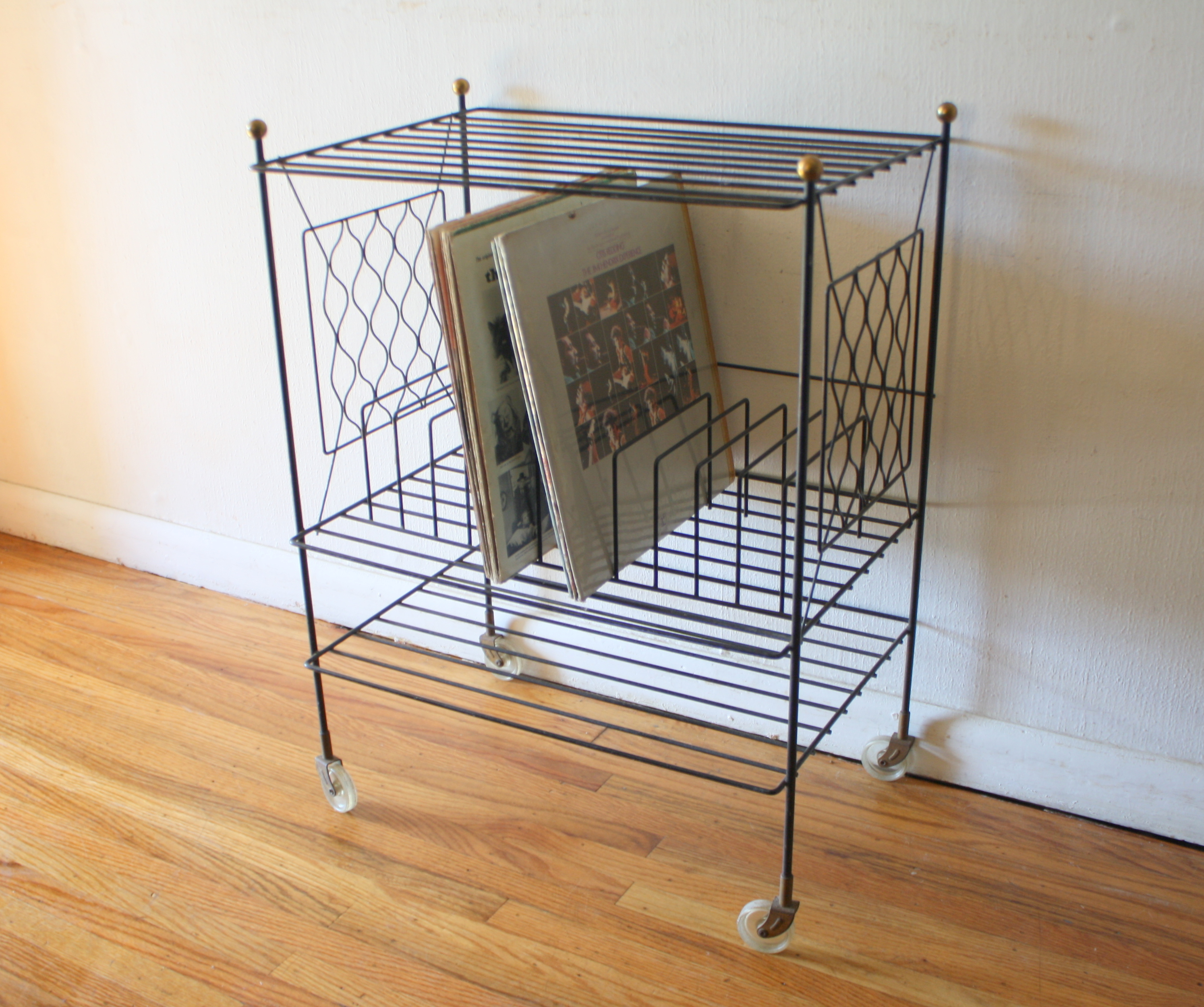 mcm wire record rolling rack 1