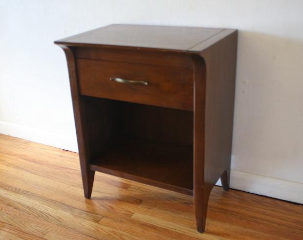drexel nightstand 1