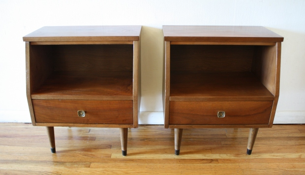 stanley end table pair of nightstands 1.jpg