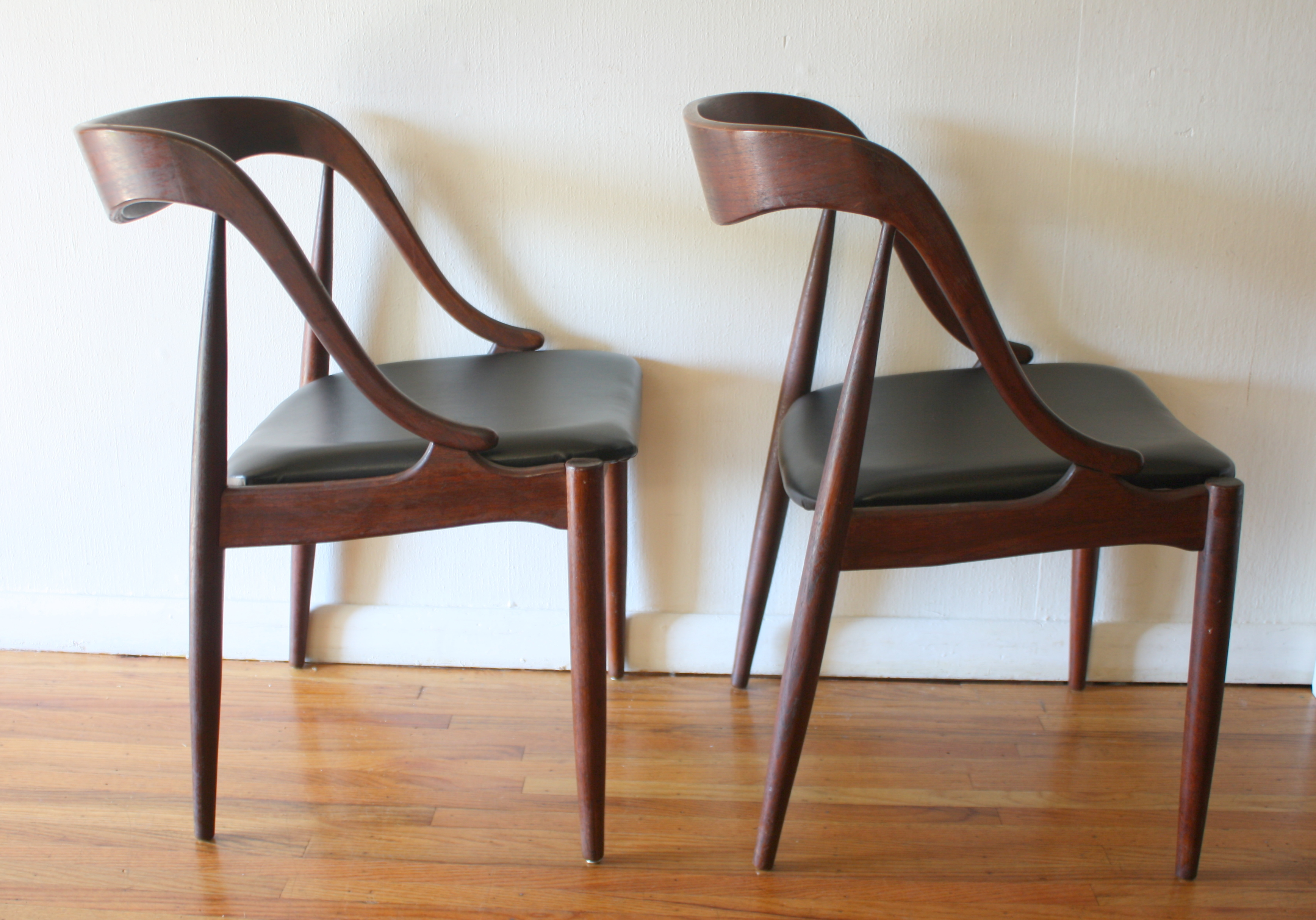 mcm pair of chairs with curved back and sides 2
