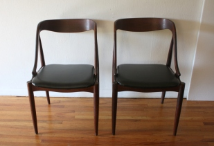 mcm pair of chairs with curved back and sides 3