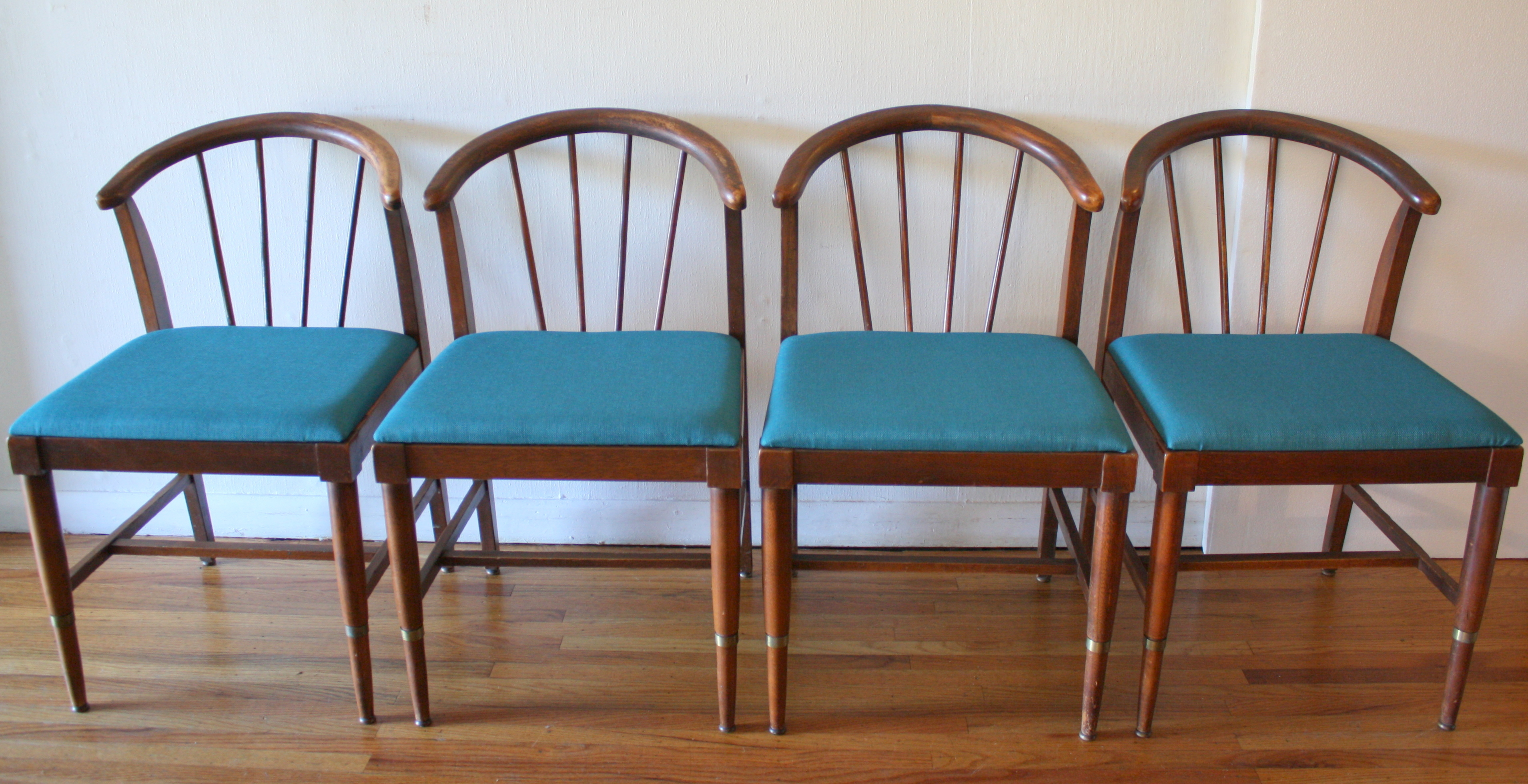 Mid Century Modern Set of Dining Chairs and Table