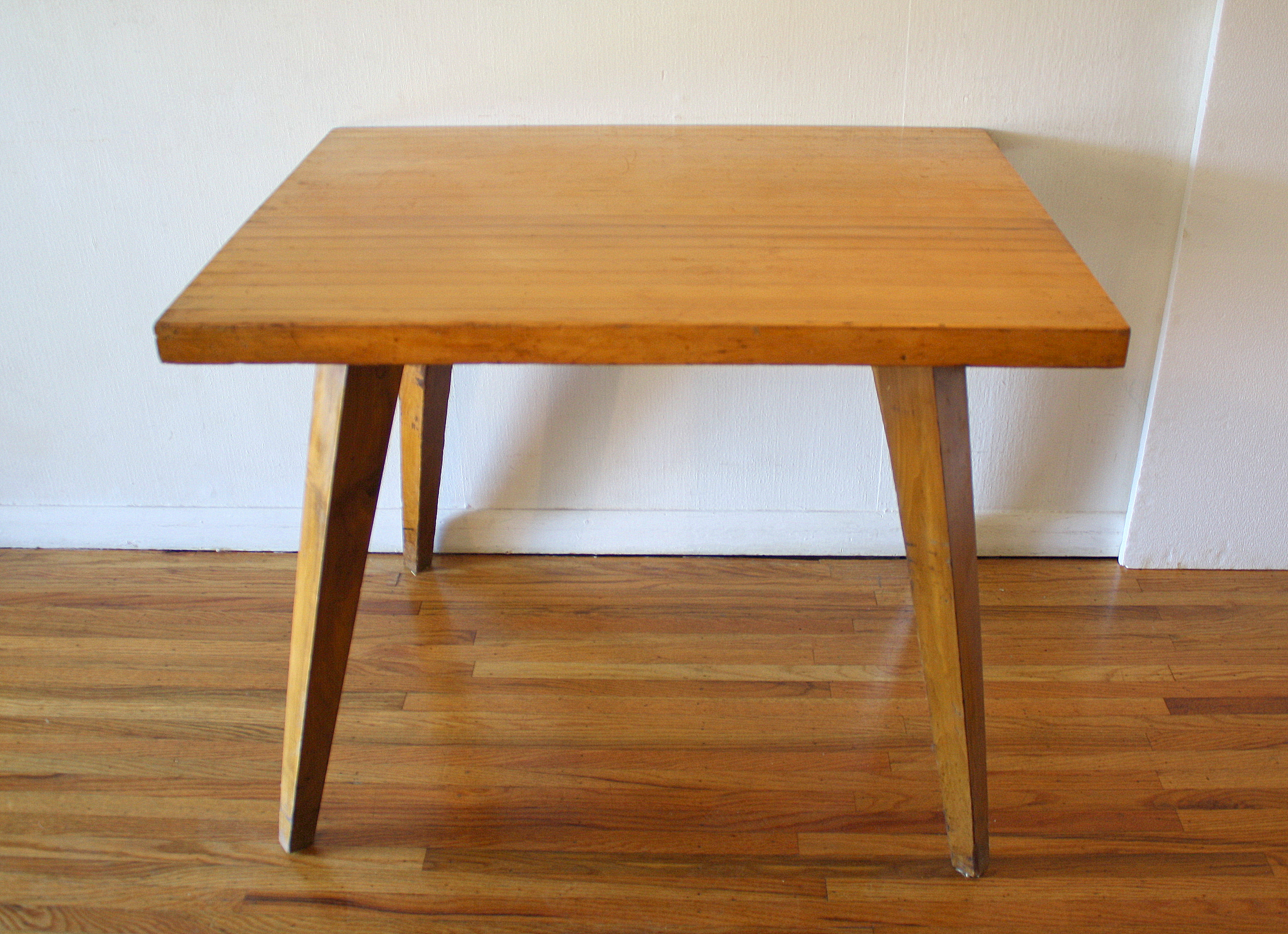 Mid Century Modern Table With Splayed Legs Picked Vintage