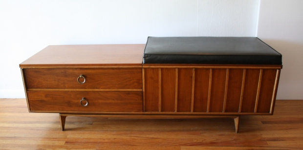 Lane cedar chest bench 3.JPG