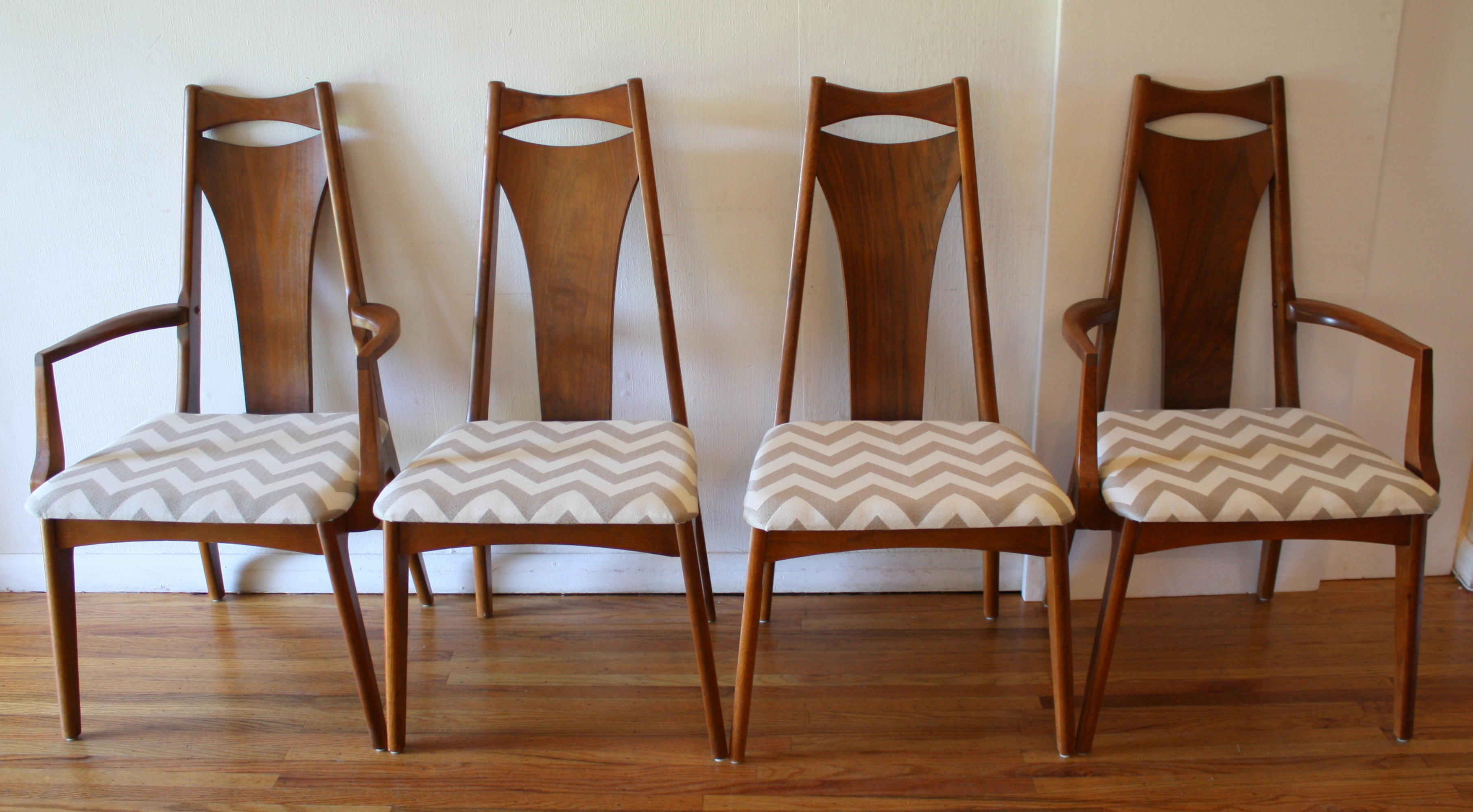 mcm arched back dining chair set 1