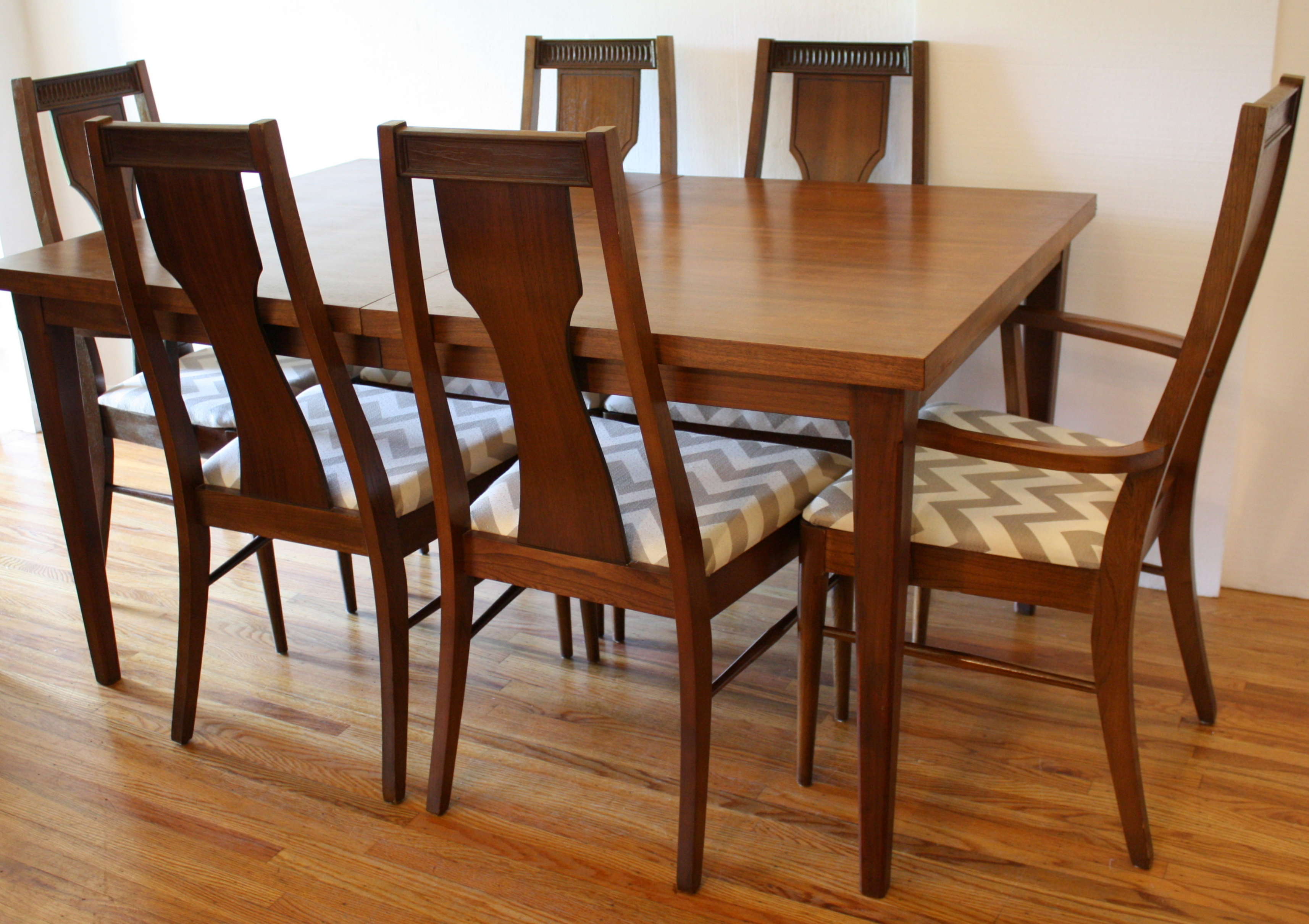 Mcm Dining Table 3 Exytnsion Leaves 1 JPG