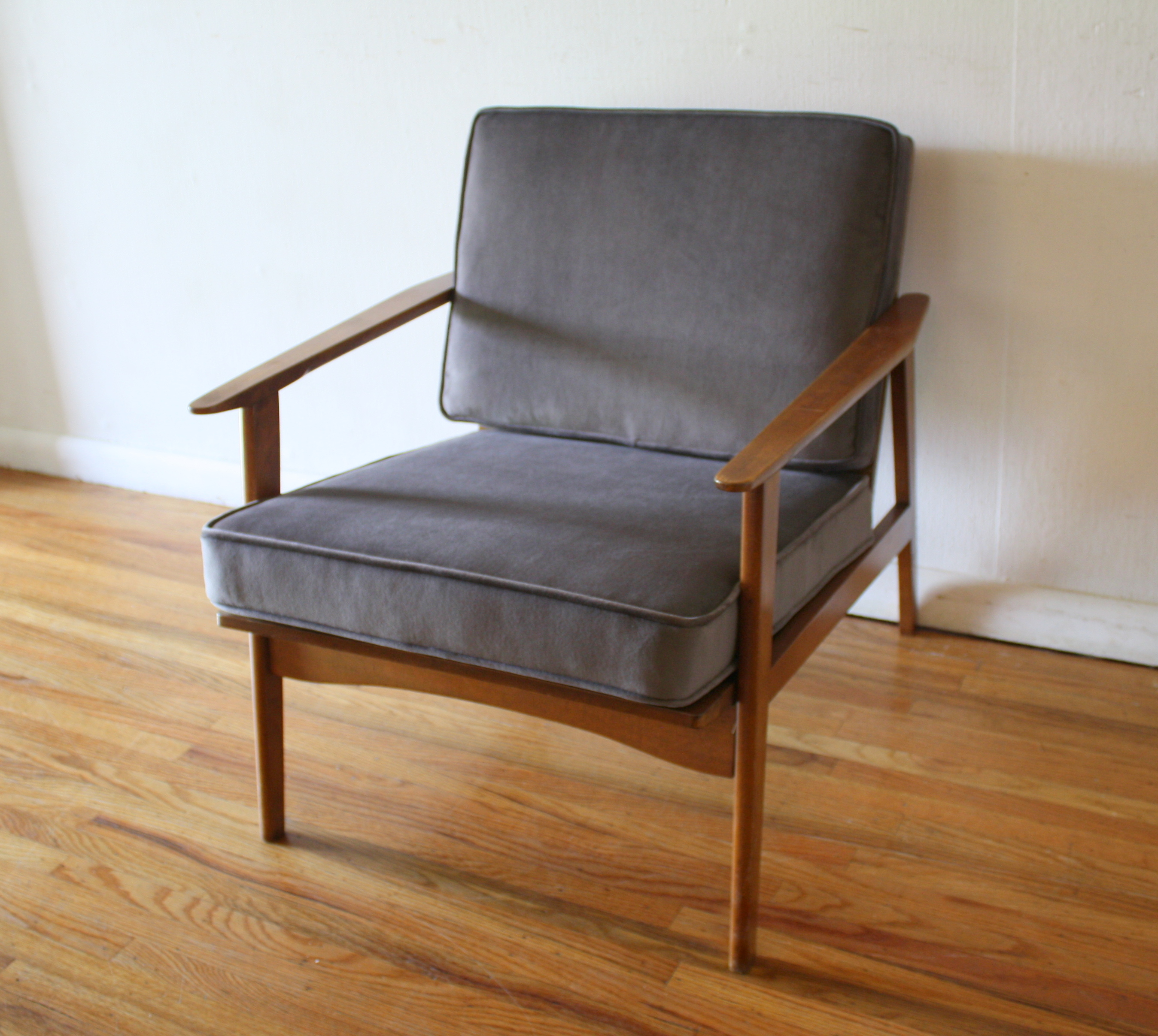 mcm arm lounge chair in elephant gray 1