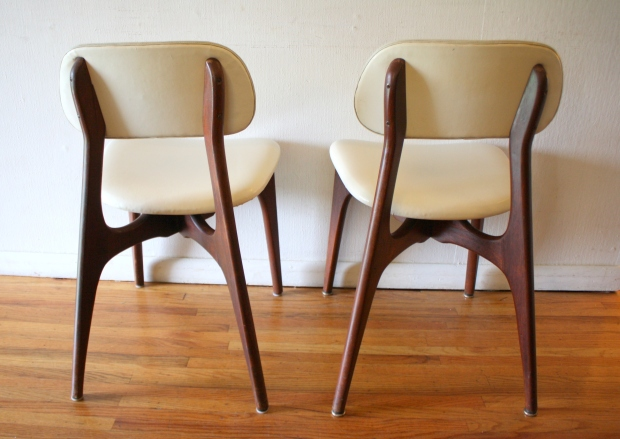mcm pair of white naugahyde chairs with sculpted backs 2