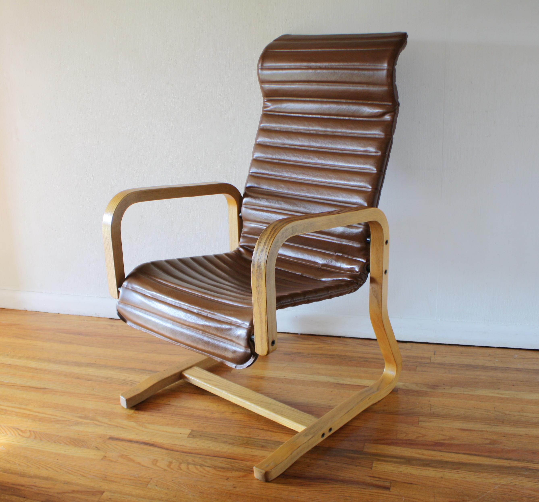 Thonet arm lounge chair 2.JPG