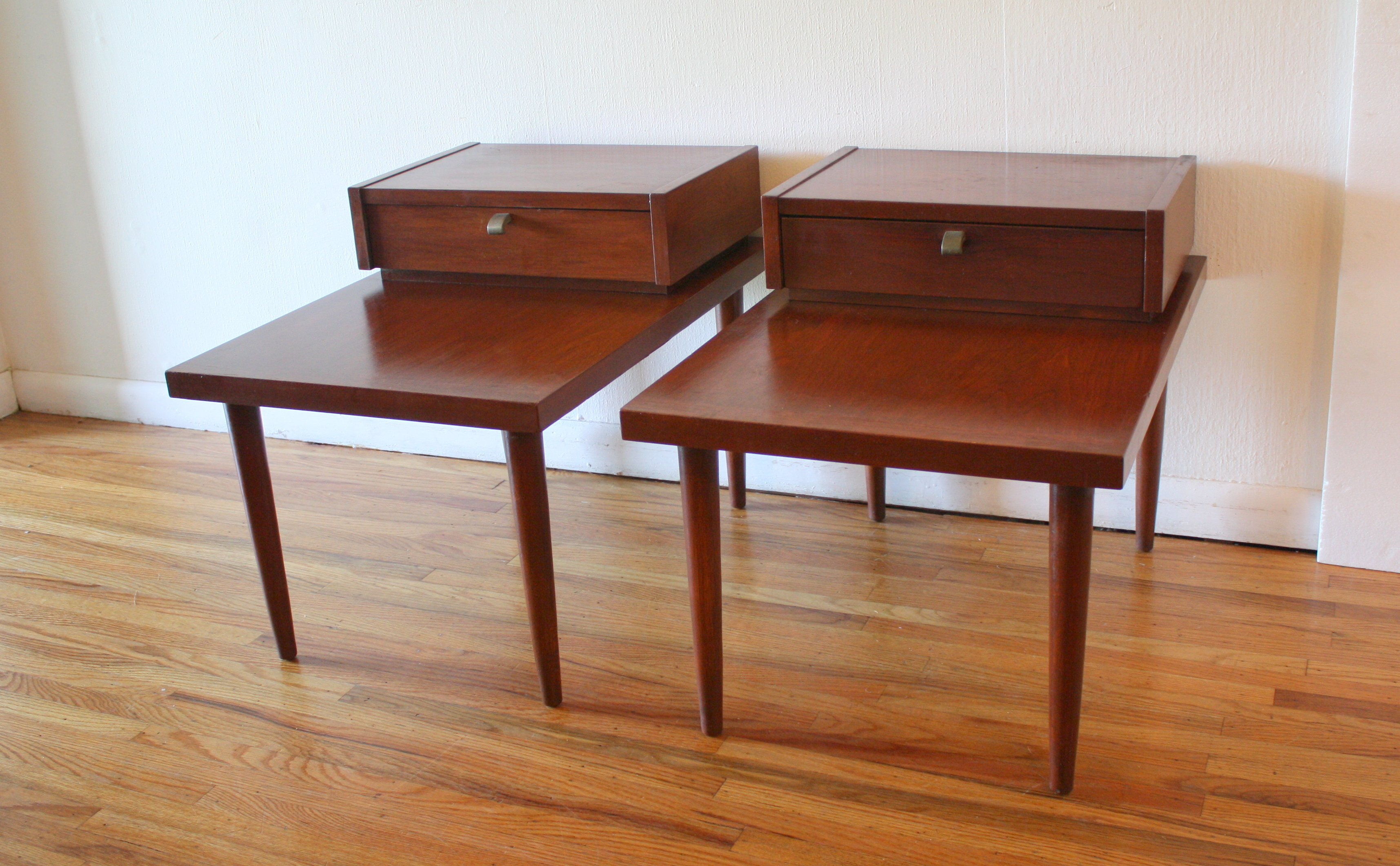 Mid Century Modern Pair Of 2 Tiered Side End Tables By American By  Martinsville | Picked Vintage