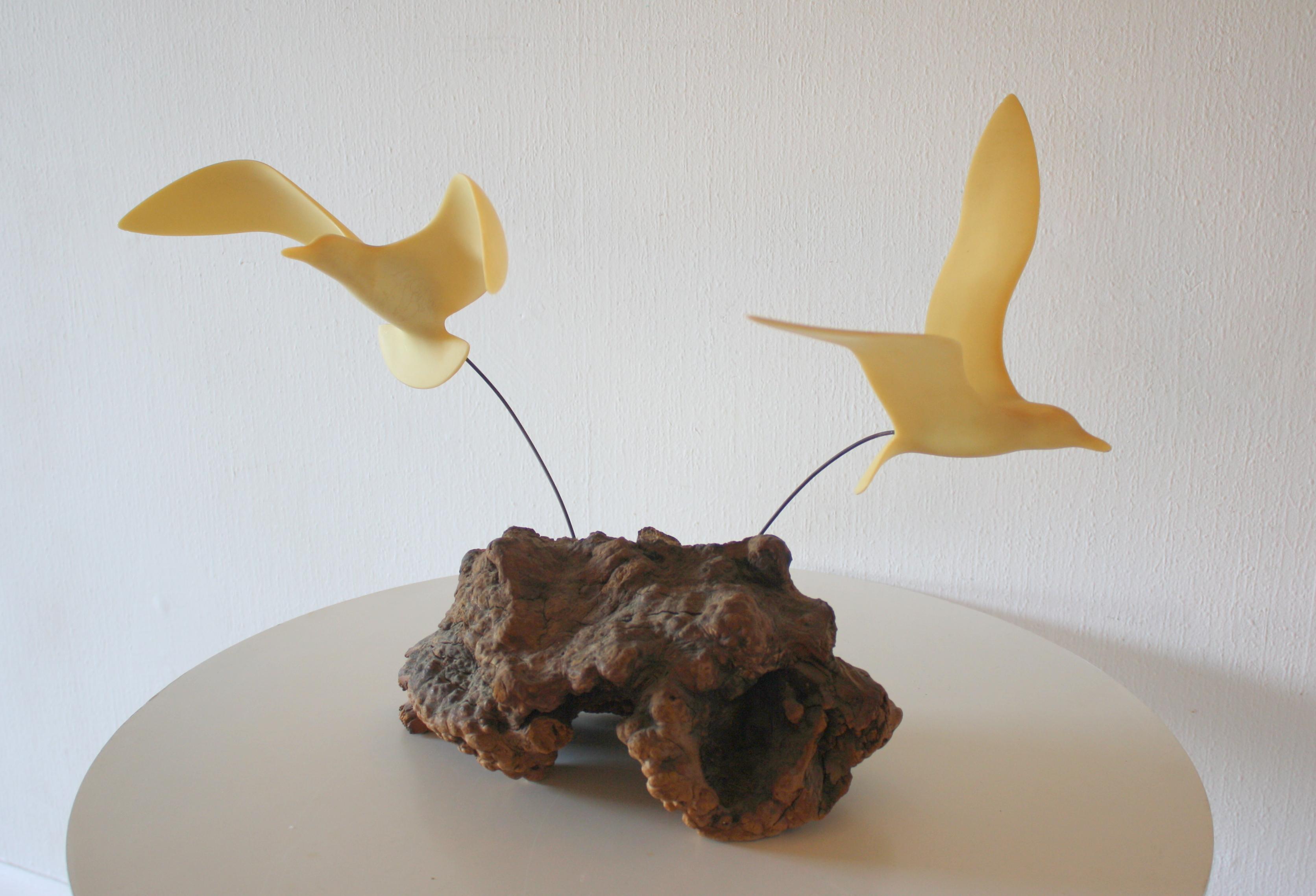 burl sculpture with birds 1