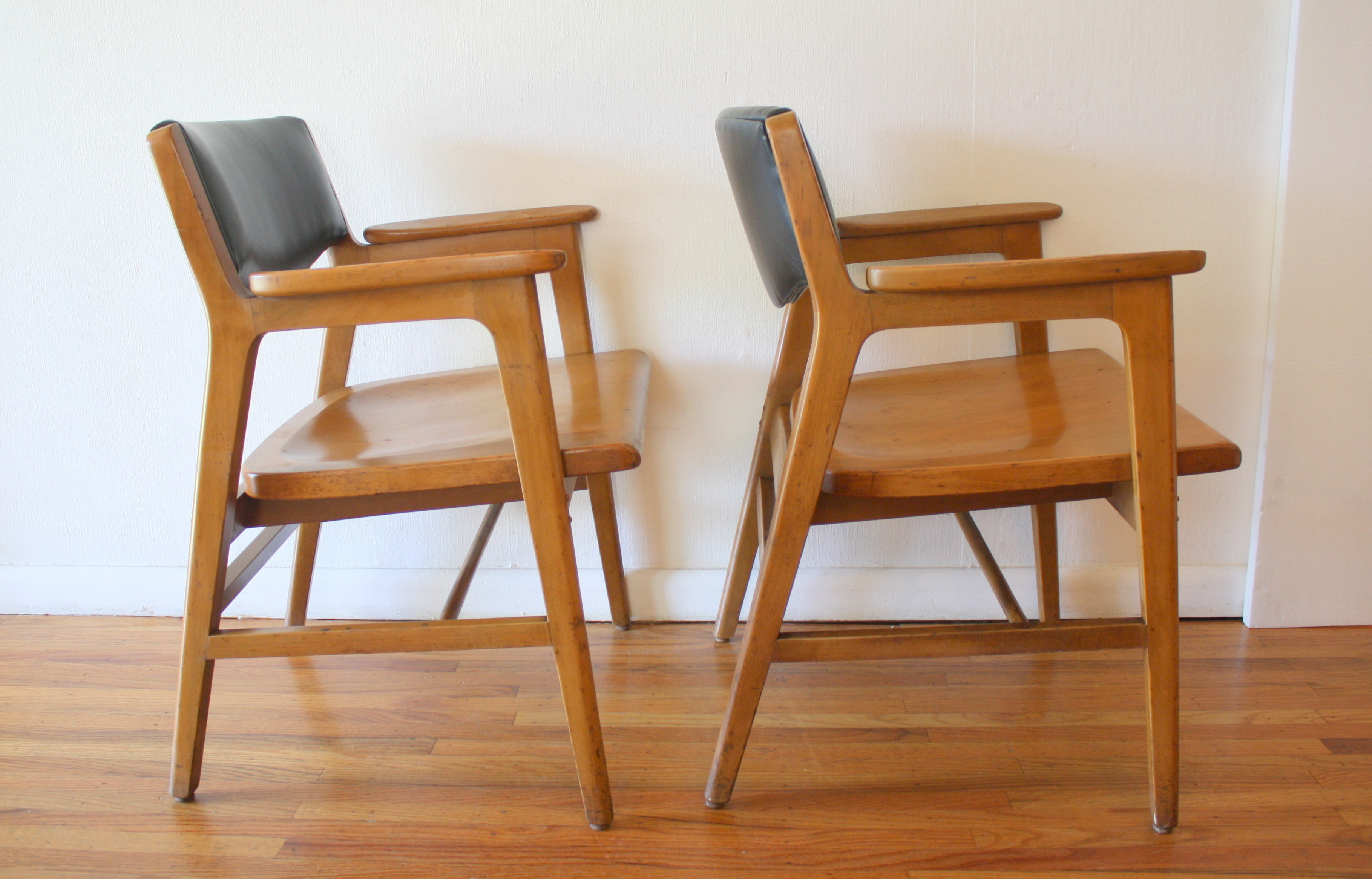 Mid Century Modern Pair Of Gunlocke Arm Chairs Picked