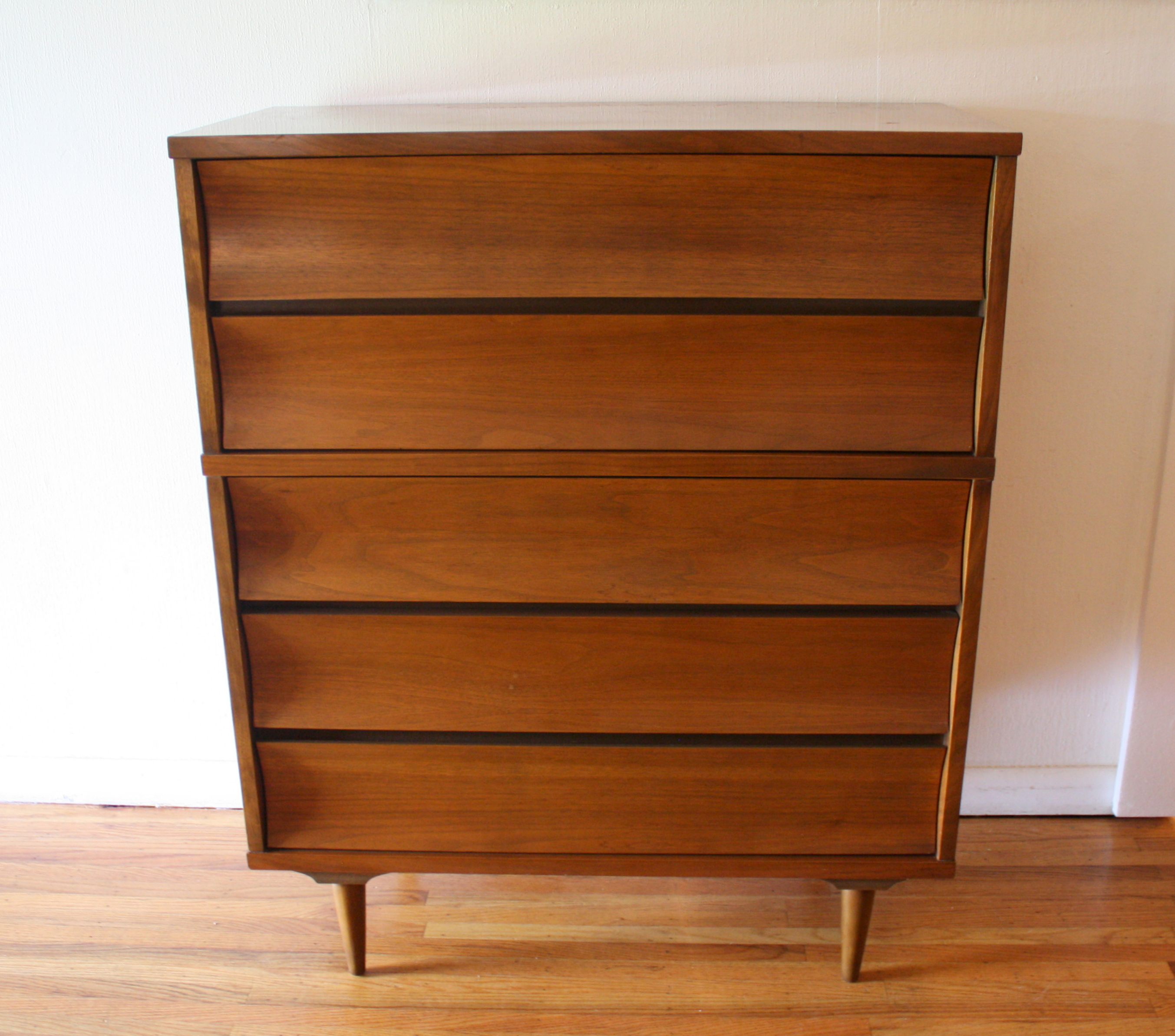 Mid Century Modern Matching Dressers And Nightstands By