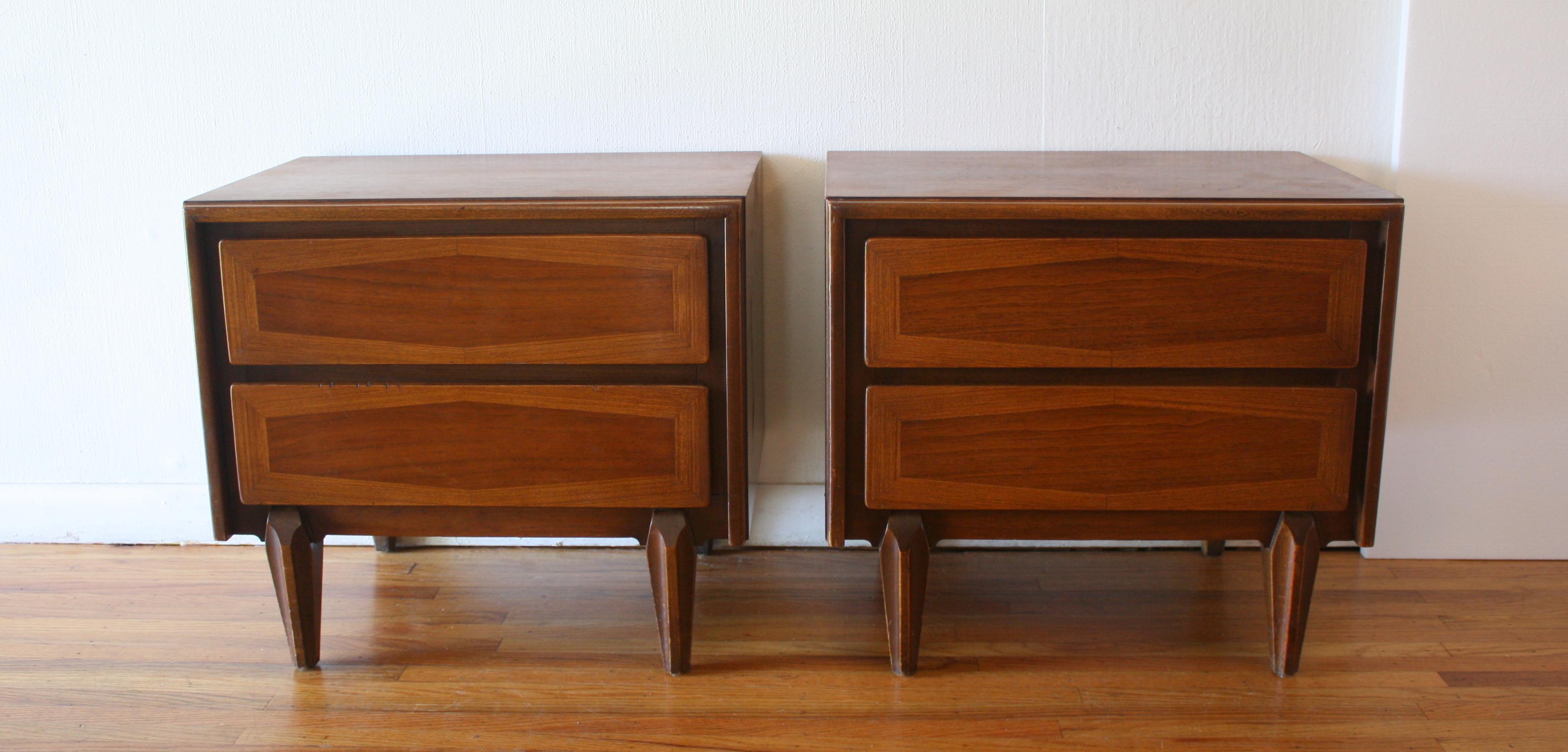 ABM pair of side end table nightstands 1.JPG