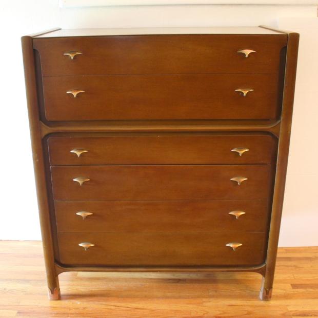 unagusta-tall-dresser-1