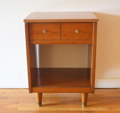 mcm-side-end-table-dual-knob-drawer-3