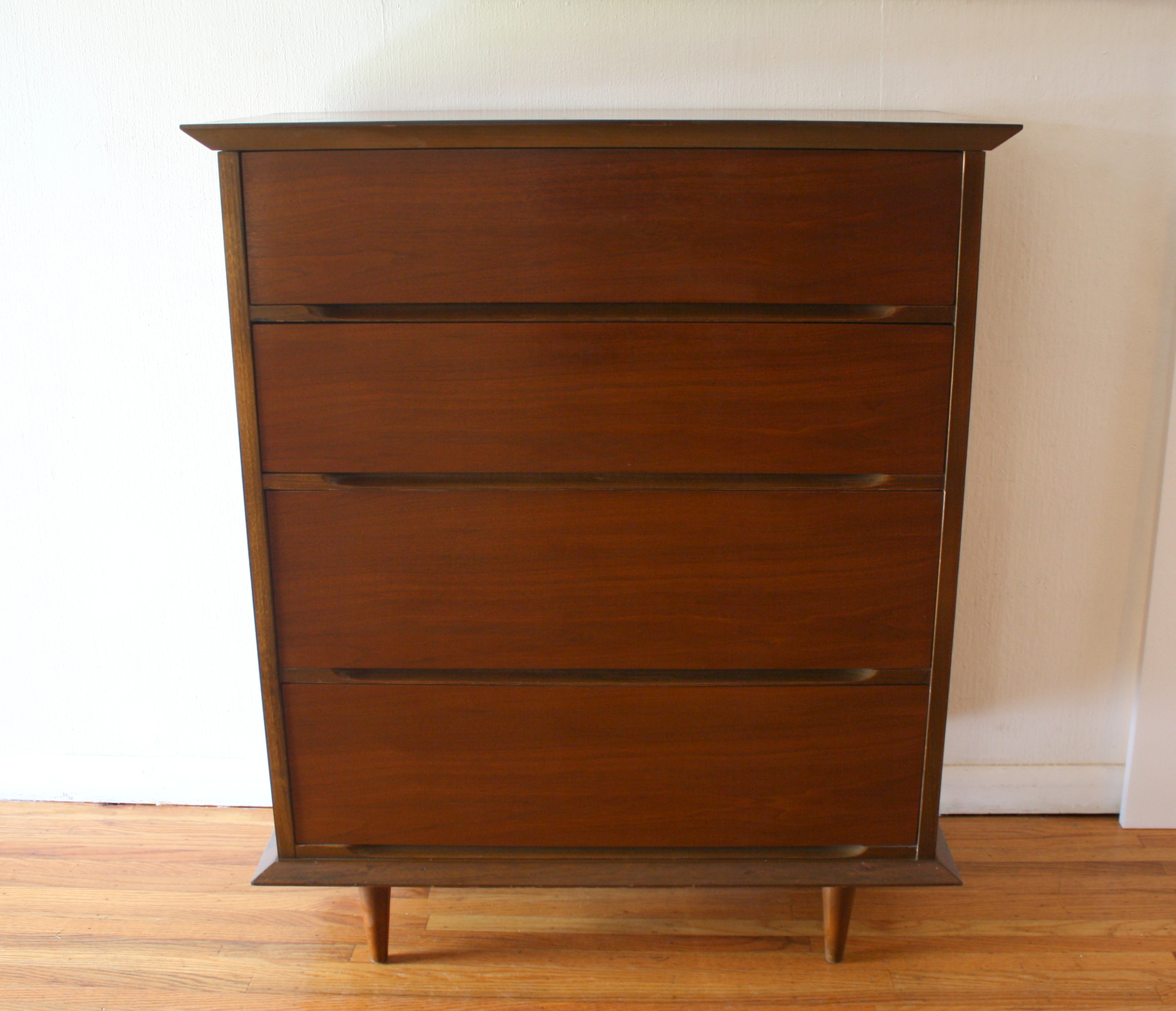 Mcm Tall Dresser Angled Top And Base 1