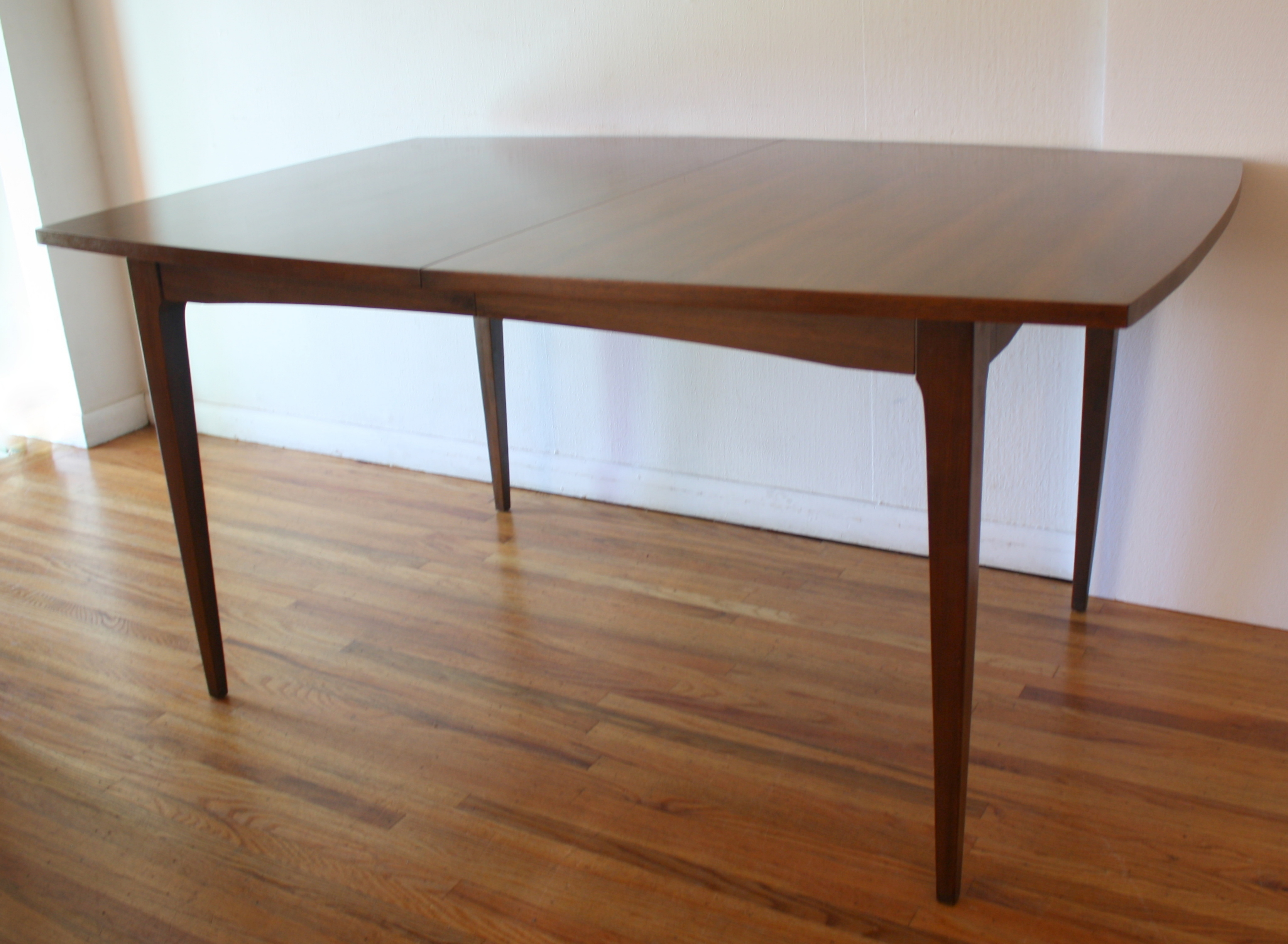 Mcm Surfboard Dining Table Tapered Legs 2
