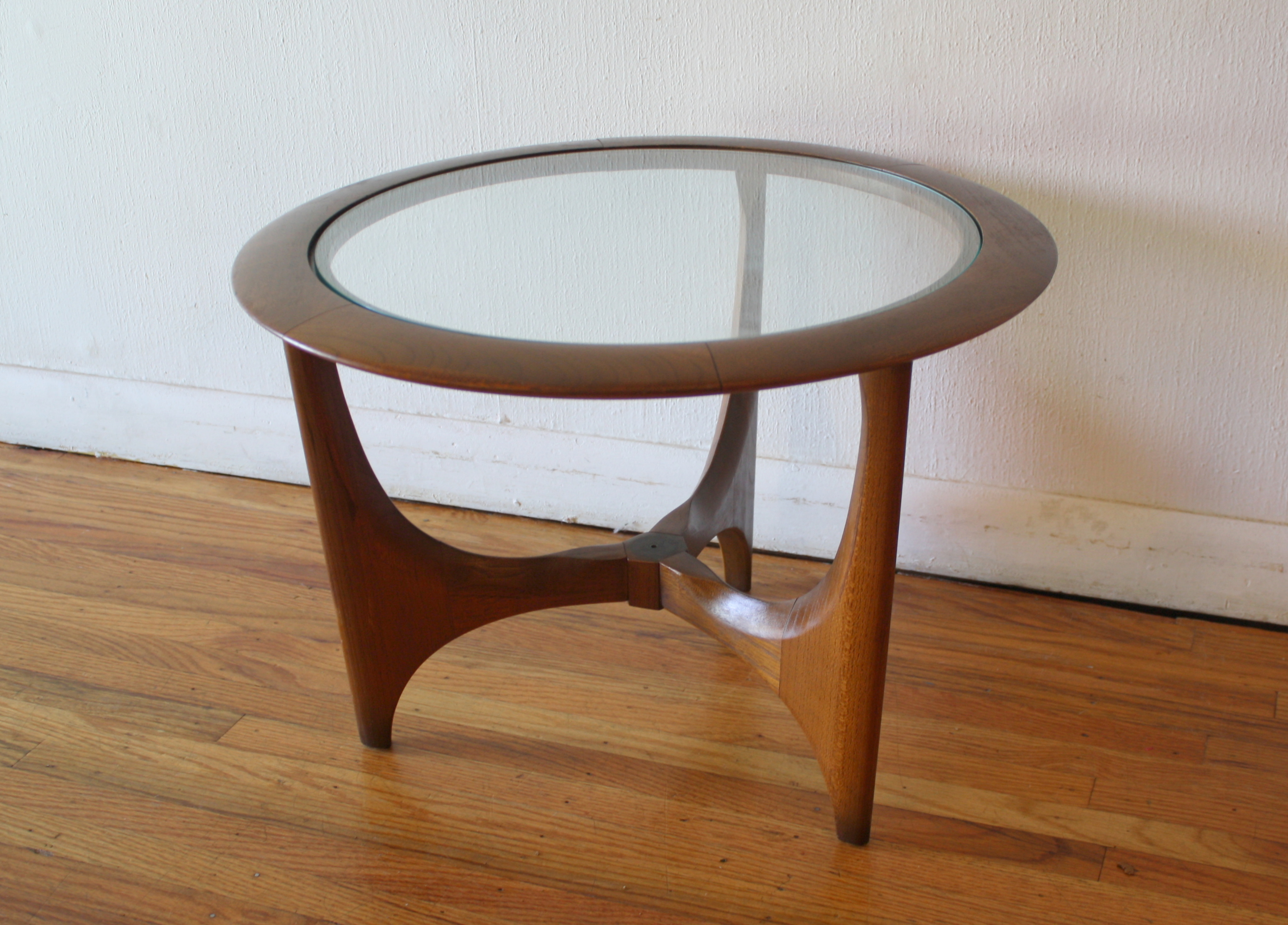 Mid century modern side end table by lane picked vintage Modern side table