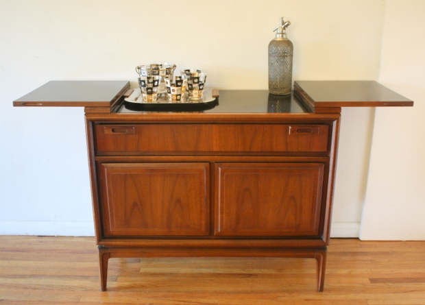 united-bar-serving-cabinet-6