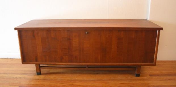 Lane cedar chest trunk parquet design 1.JPG