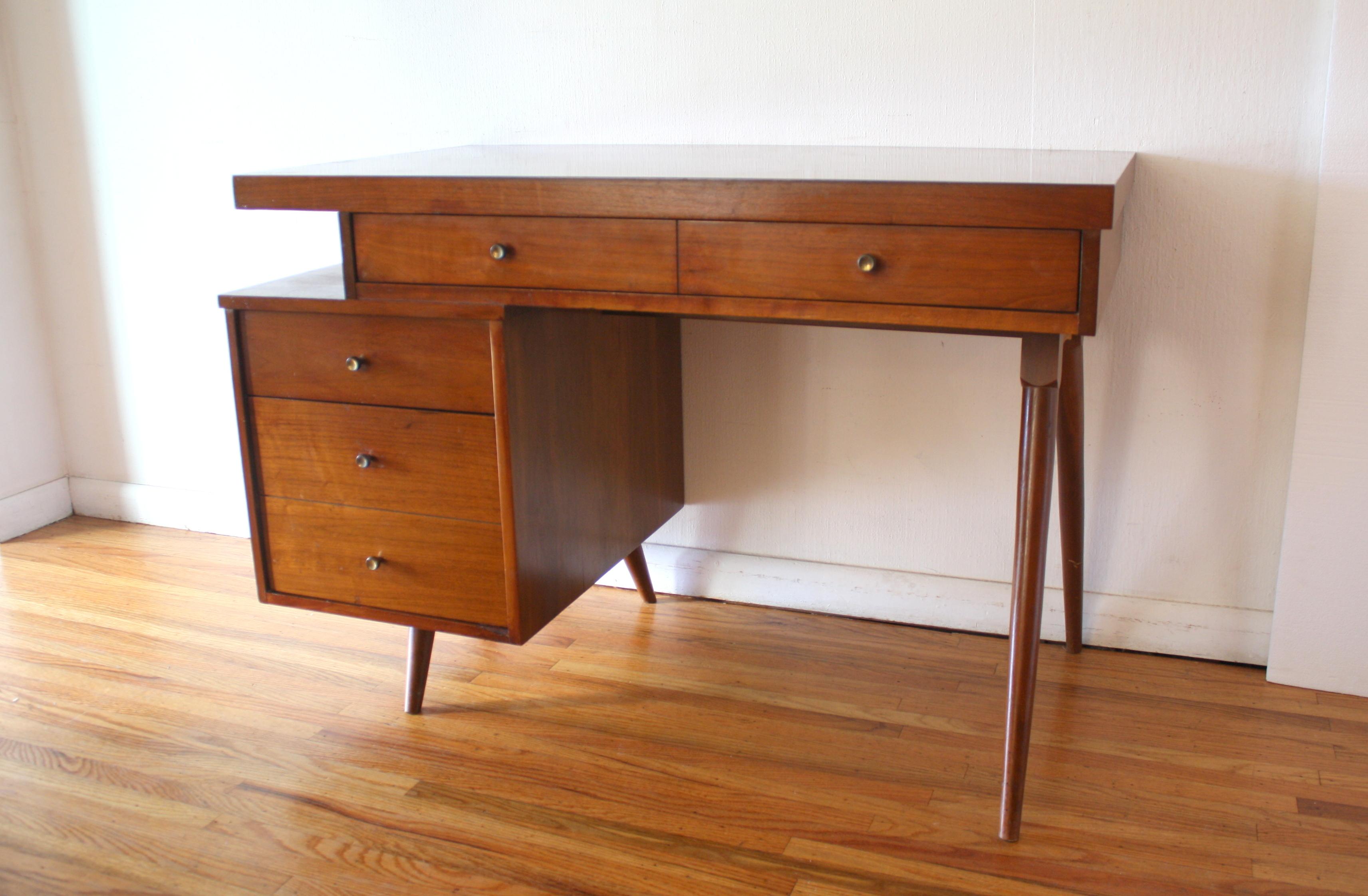 mcm desk with floating design 1.JPG