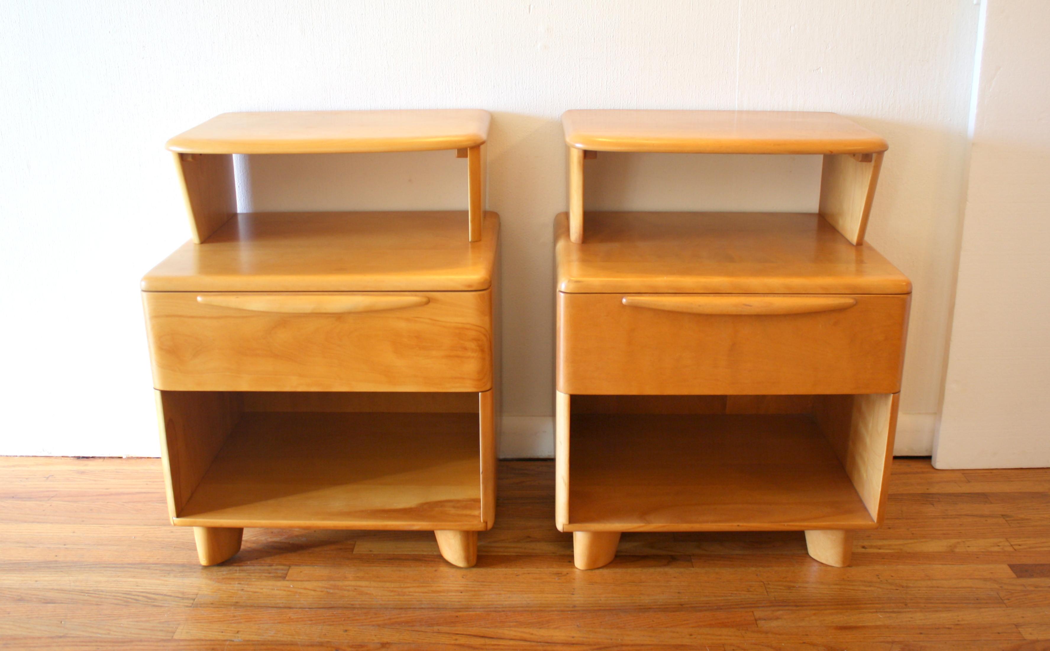 heywood-wakefield-pair-of-side-end-tables-4