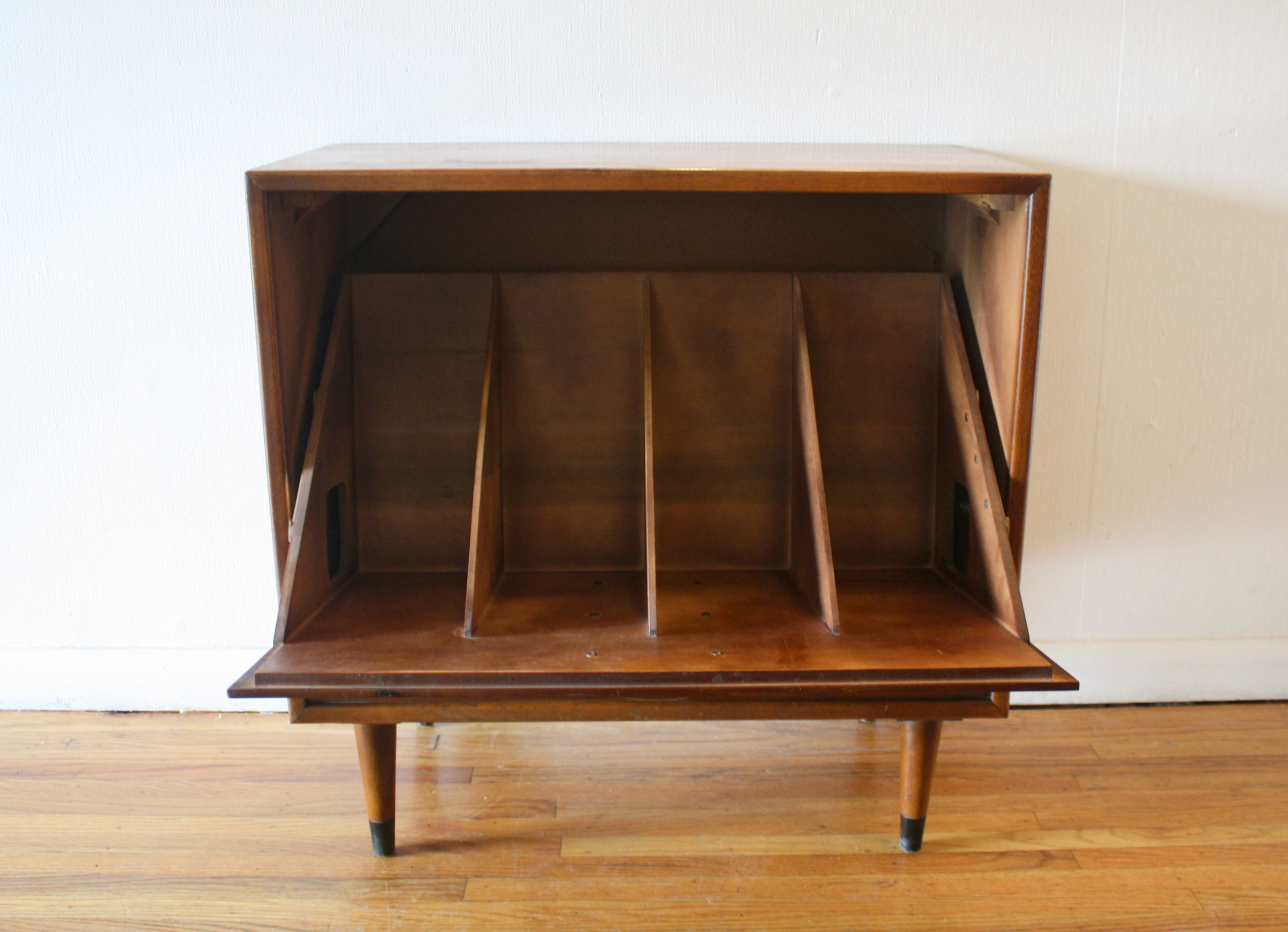 lane-acclaim-record-cabinet-2