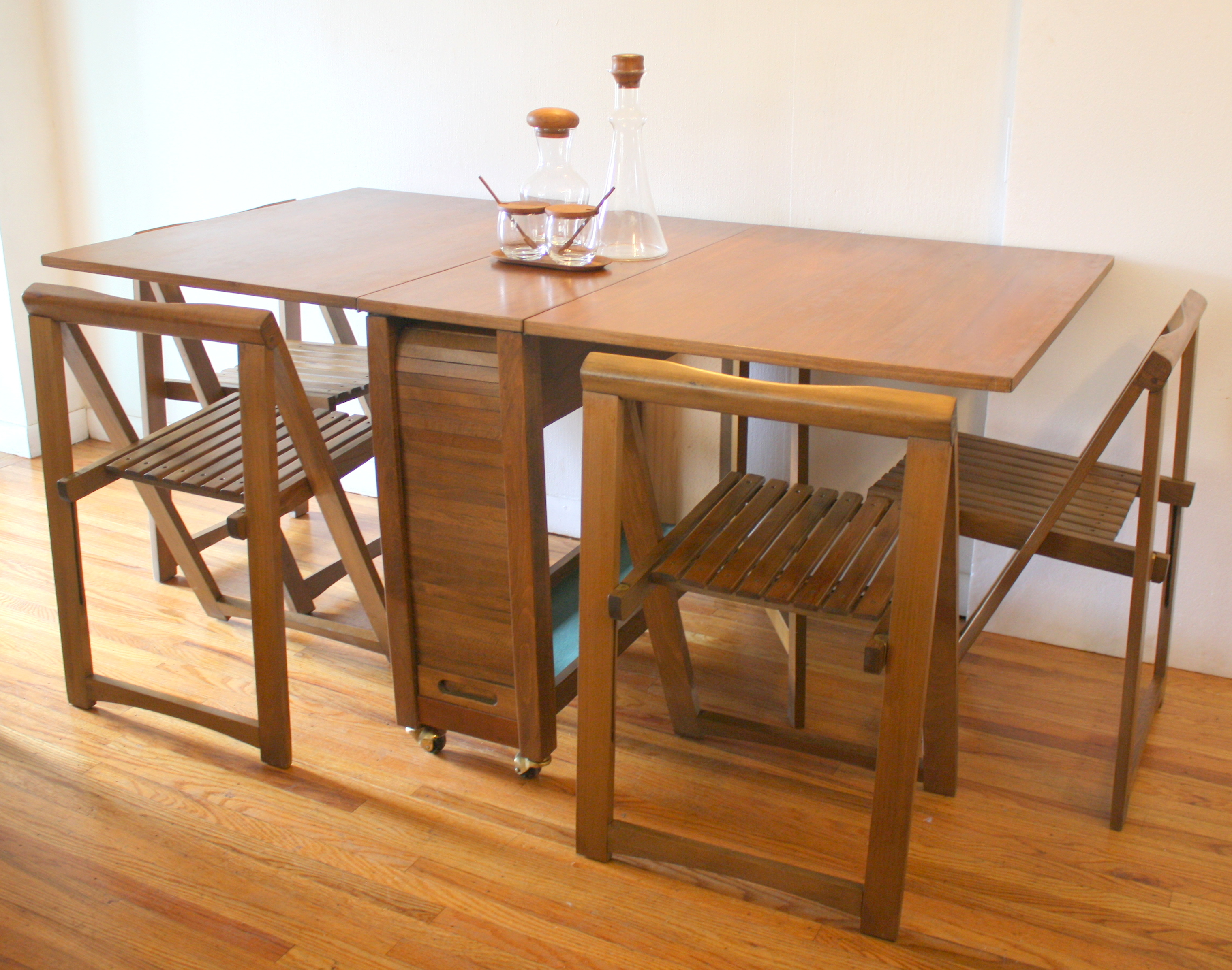 Mid Century Modern Gateleg Table With Folding Chairs