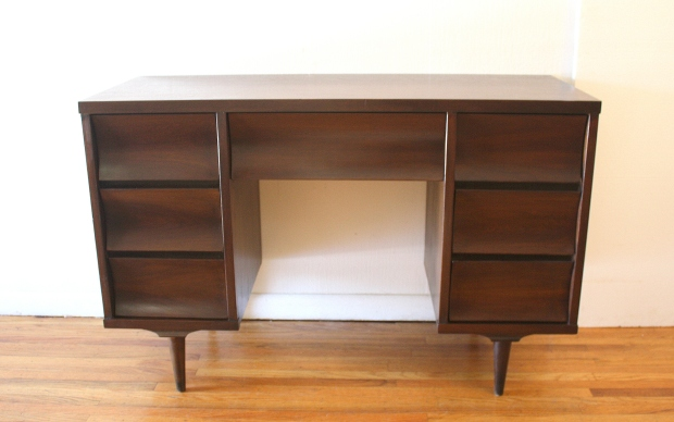 Johnson carper desk 1.JPG