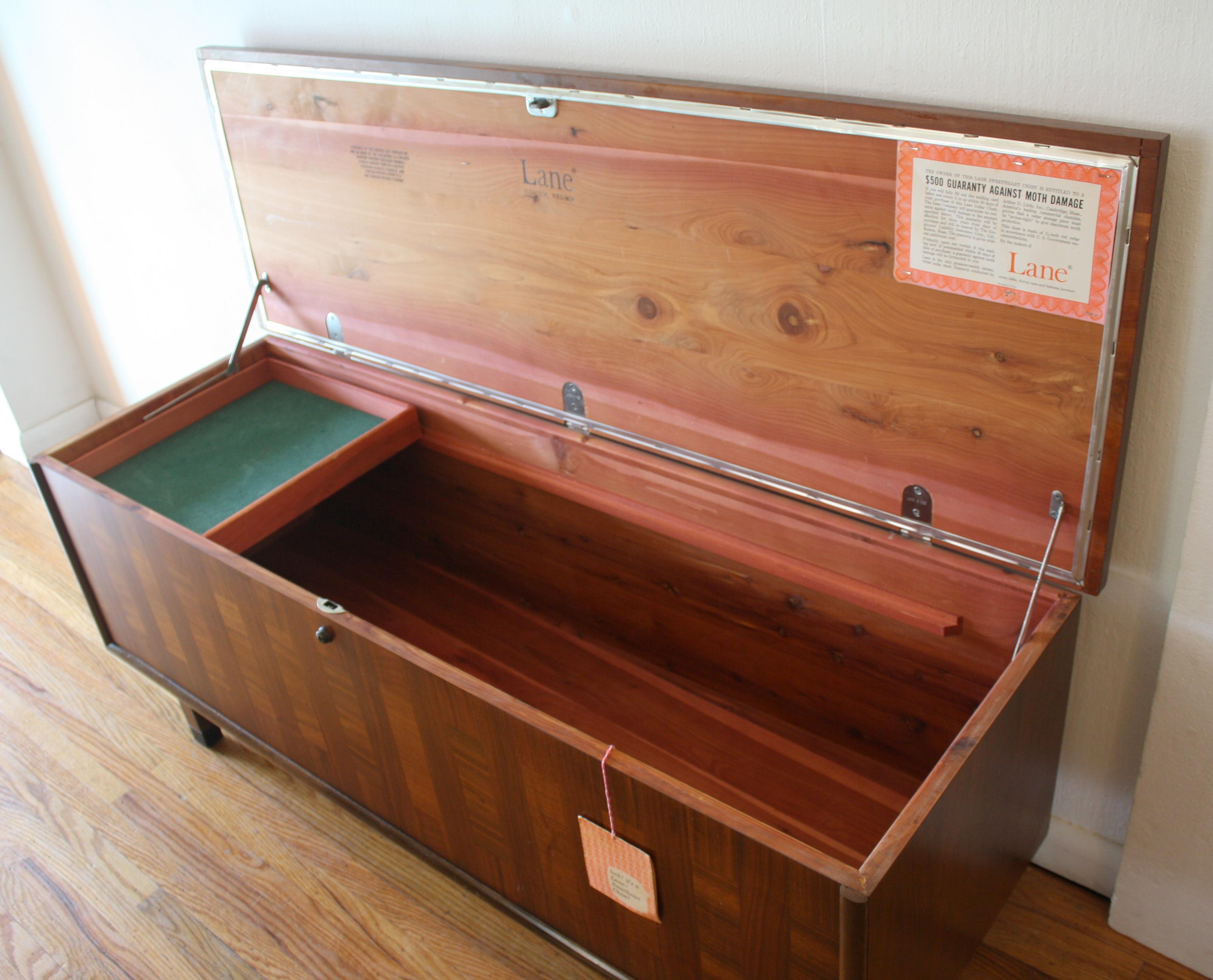 Lane parquet design cedar chest trunk 2