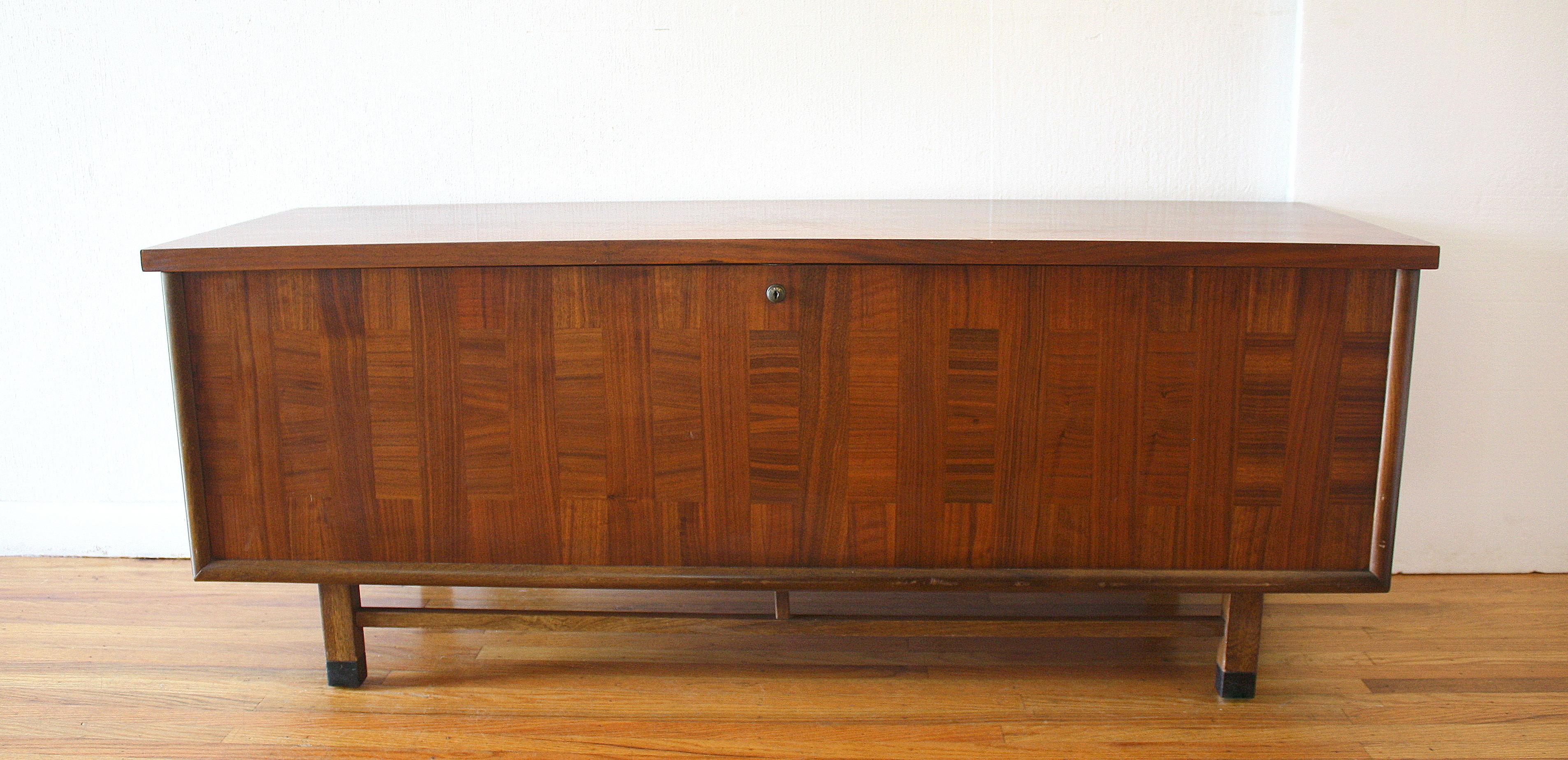 Lane parquet design cedar chest trunk 6