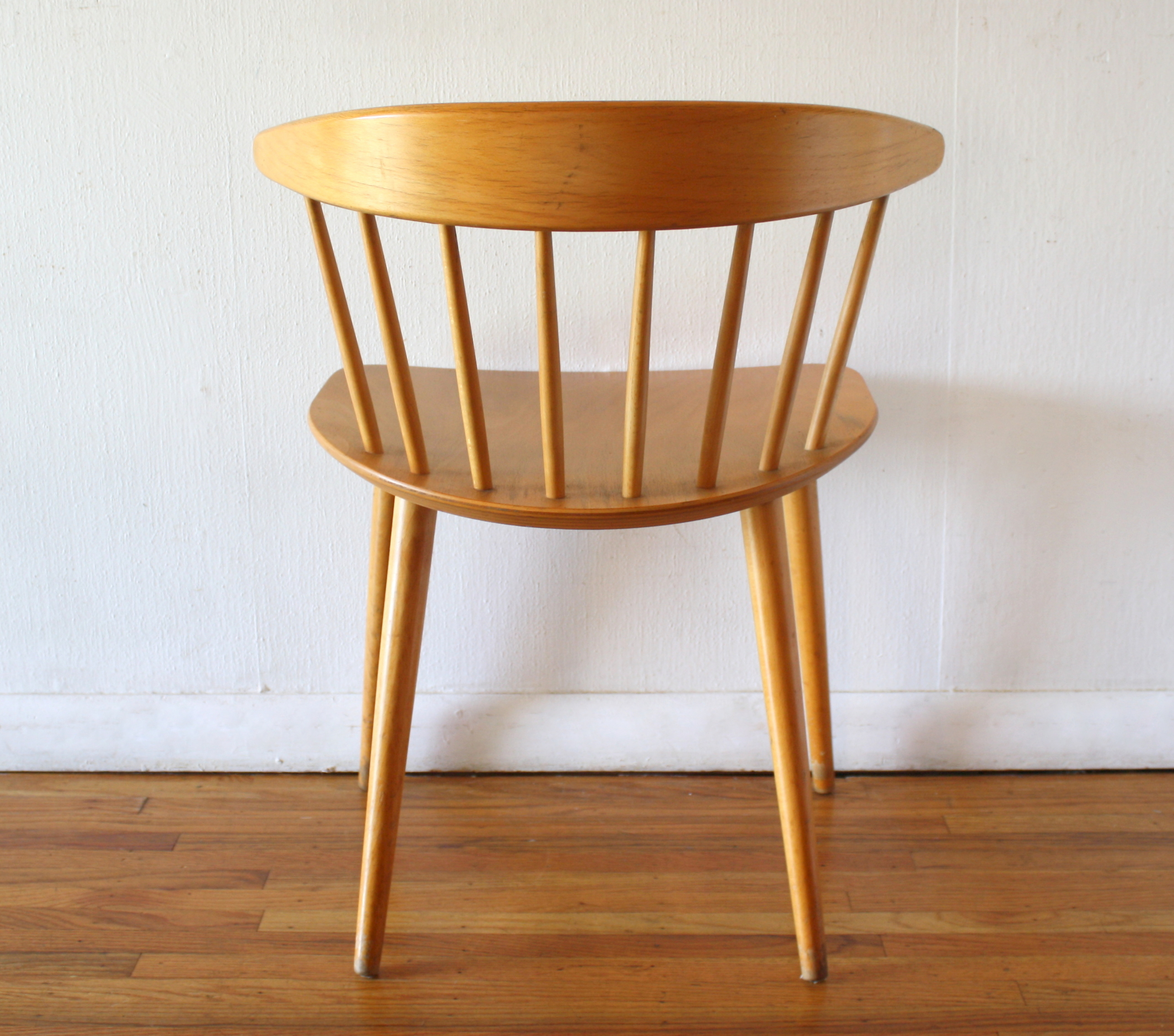 Picture of: Mcm Danish Blond Spindle Back Chair 4 Picked Vintage