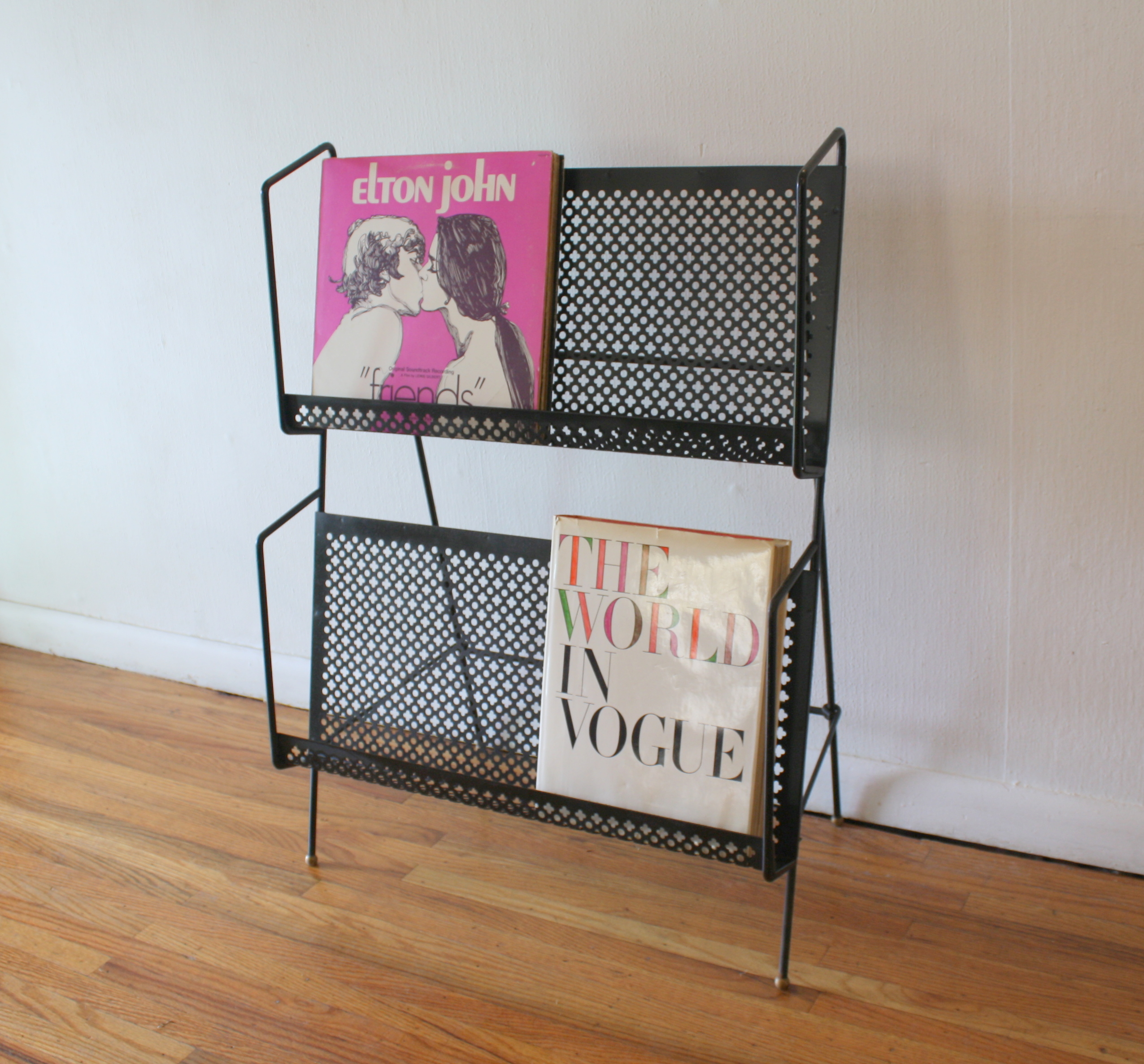 mcm quatrefoil magazine record book rack 2