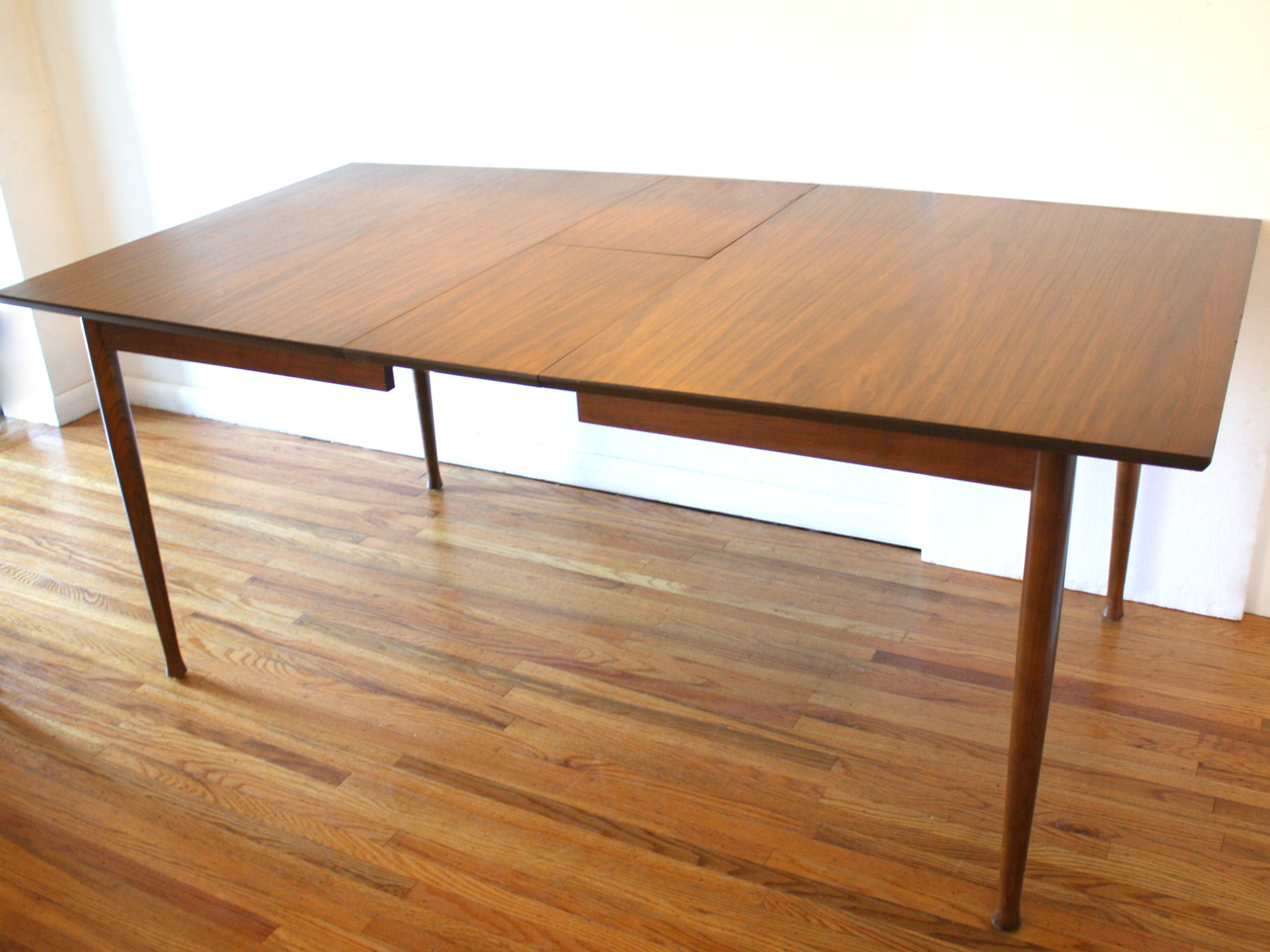 Mid Century Modern Dining Table With Hidden Leaf And Set