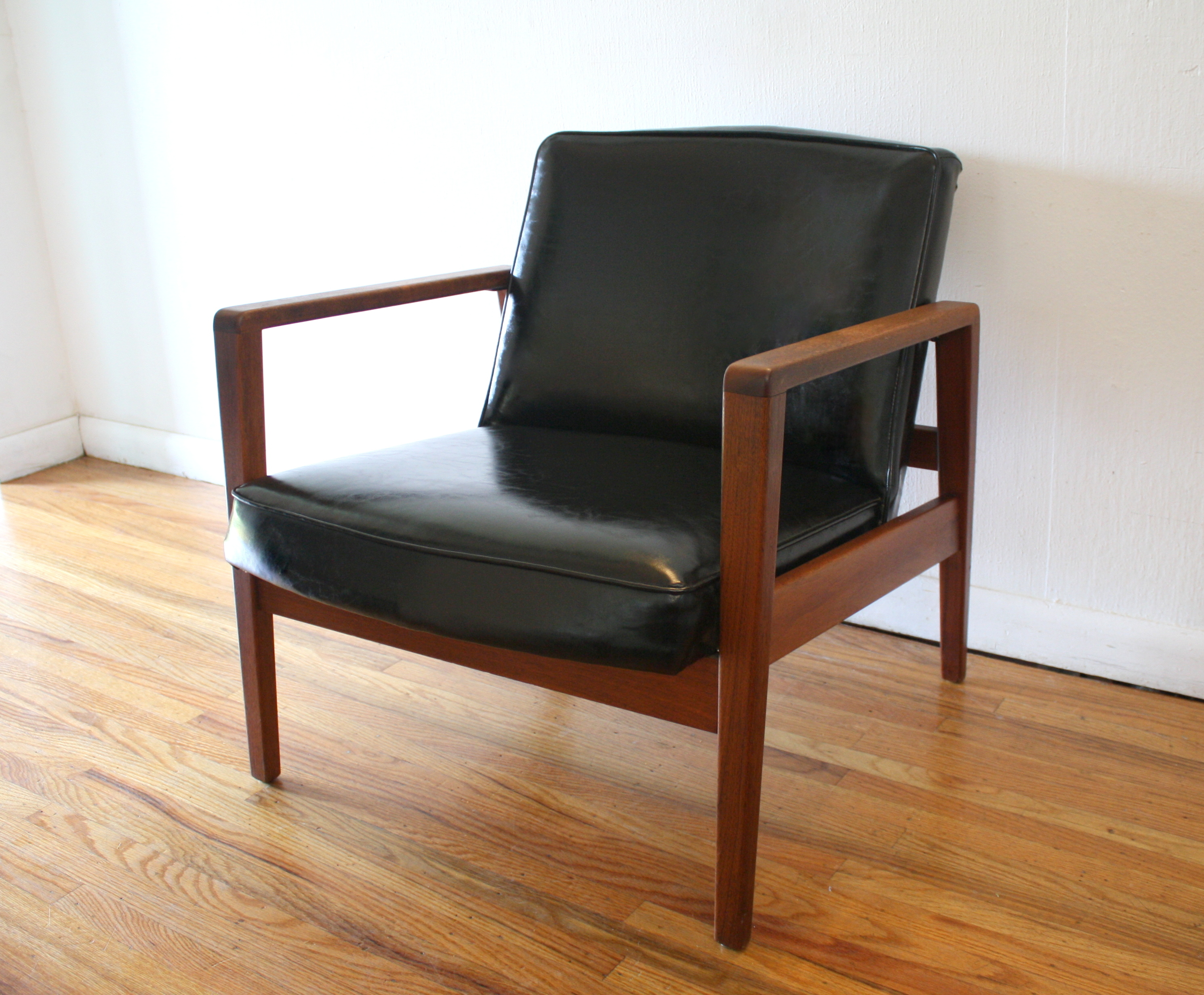 mid century modern arm lounge chair by george nelson for herman miller picked vintage. Black Bedroom Furniture Sets. Home Design Ideas