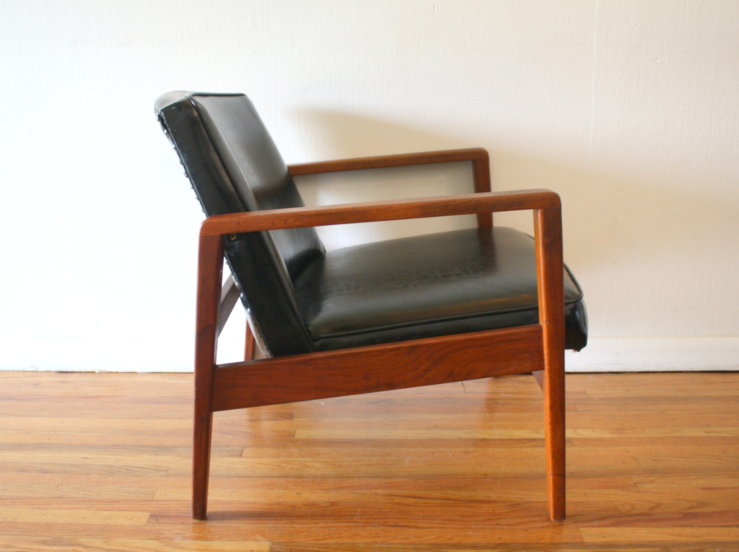 Mid Century Modern Arm Lounge Chair by George Nelson for Herman