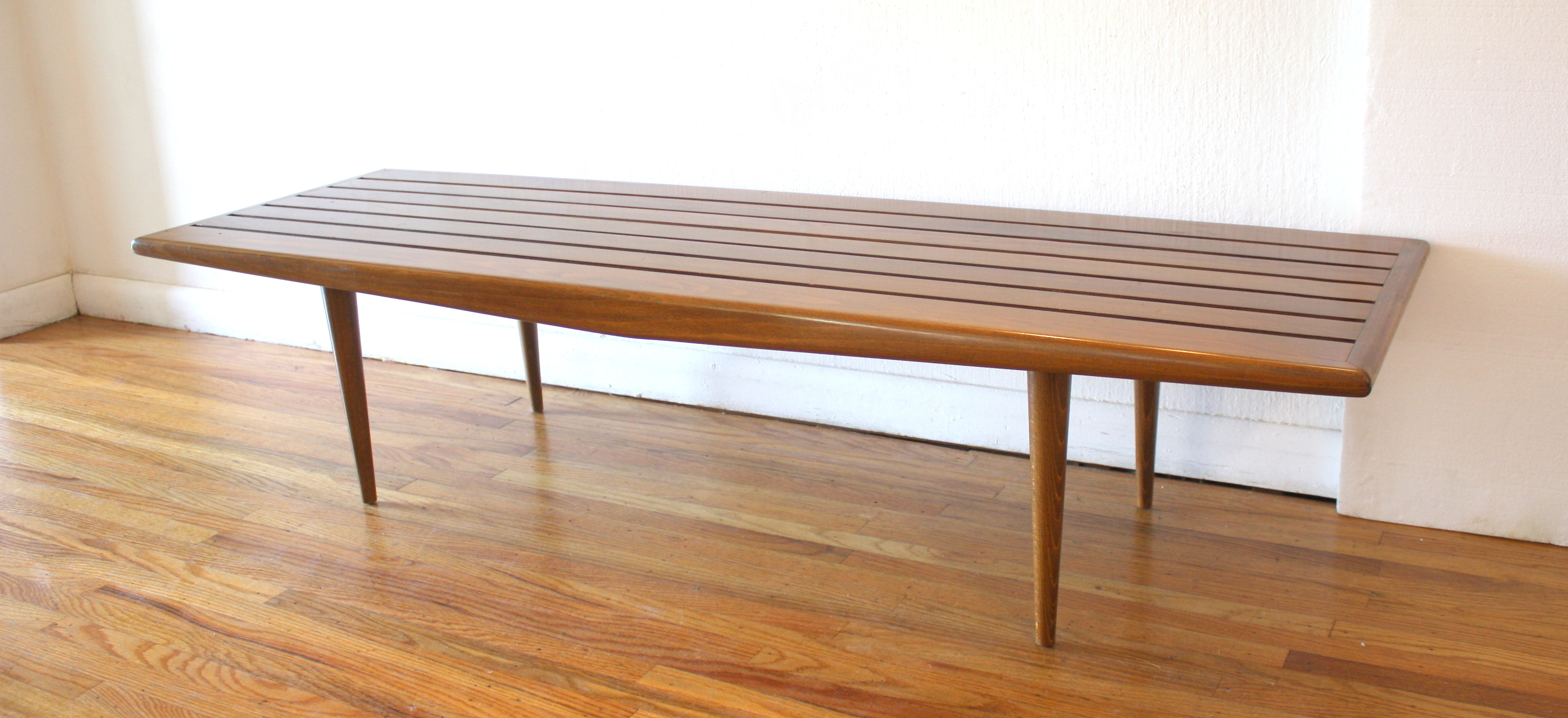 mcm slatted bench with arch 2