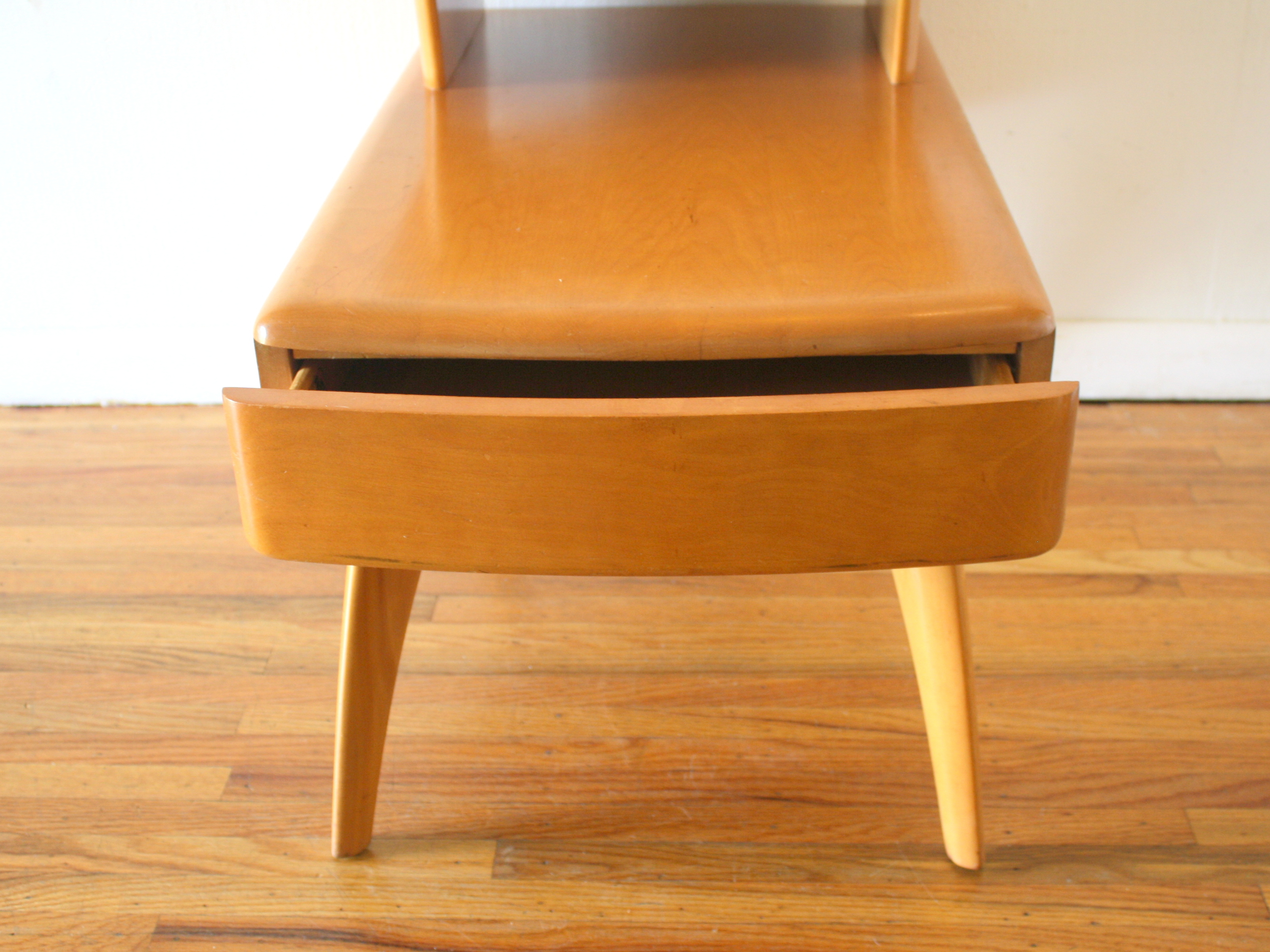 Mid Century Modern 2 Tiered Side End Table By Heywood