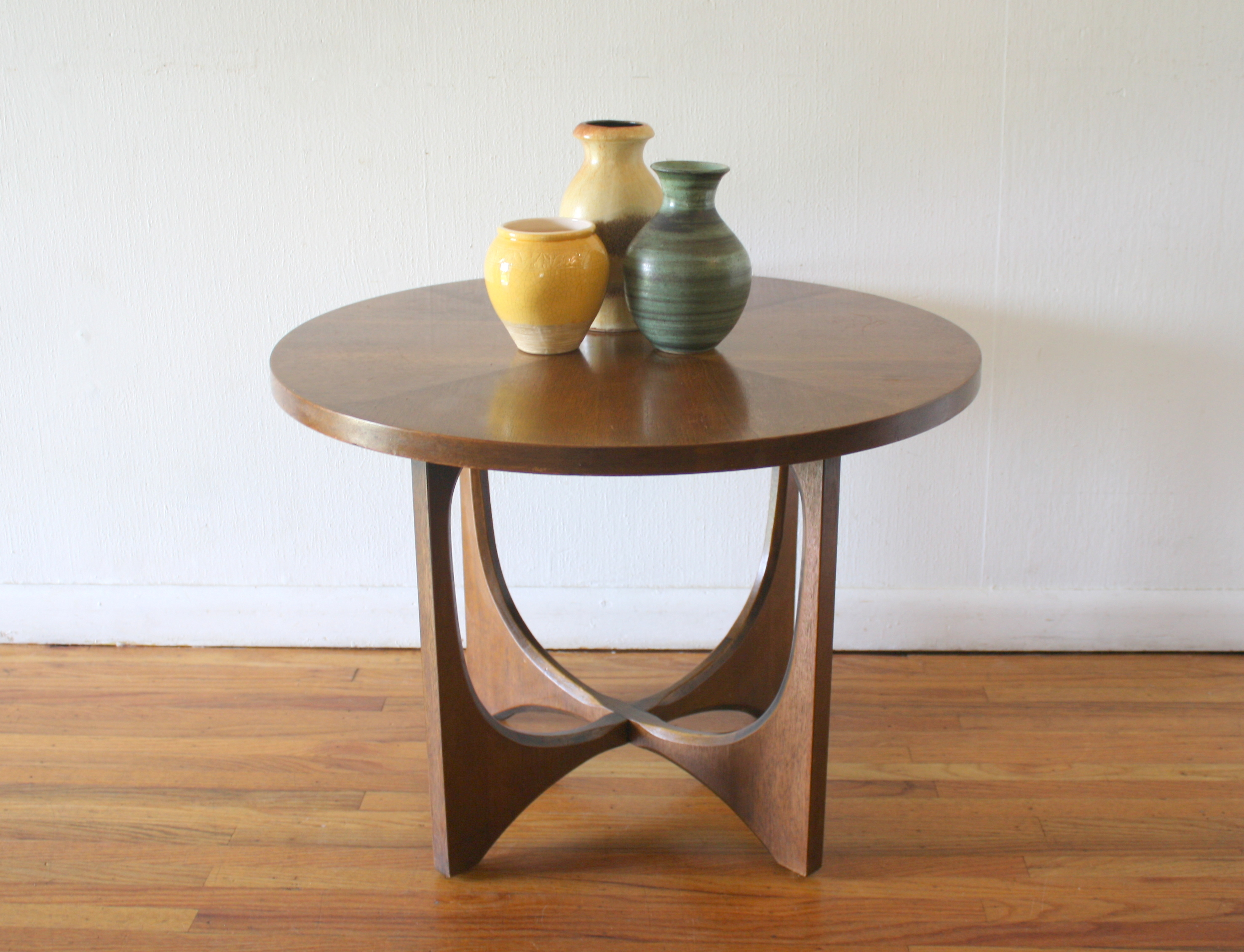 Broyhill Brasilia round side end table 1.JPG