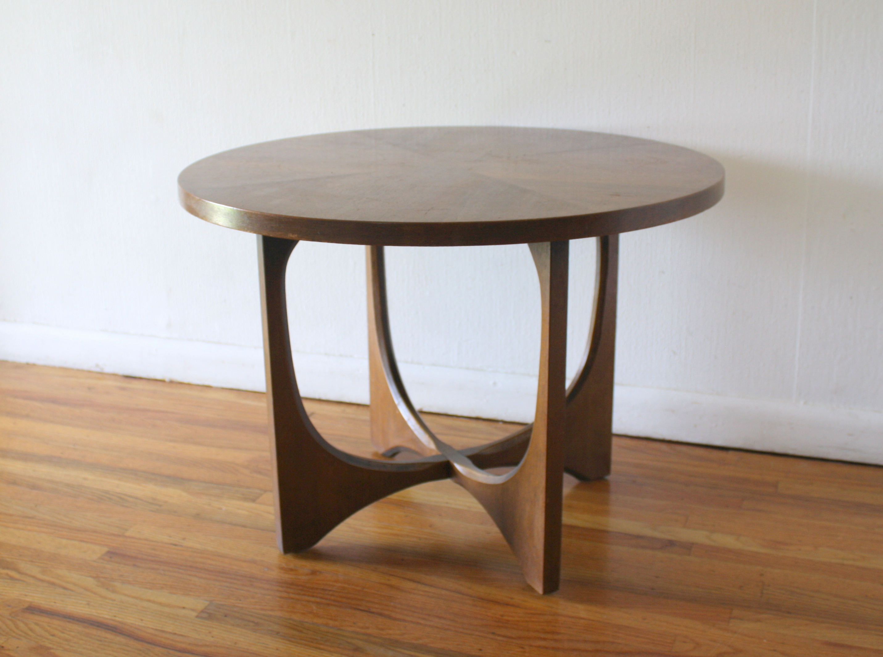 Broyhill Brasilia Round Side End Table 4 Picked Vintage