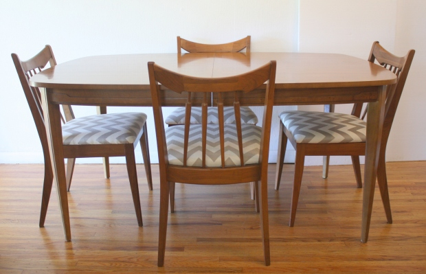 mid century modern round dining table and chairs uk surfboard sculpted detail