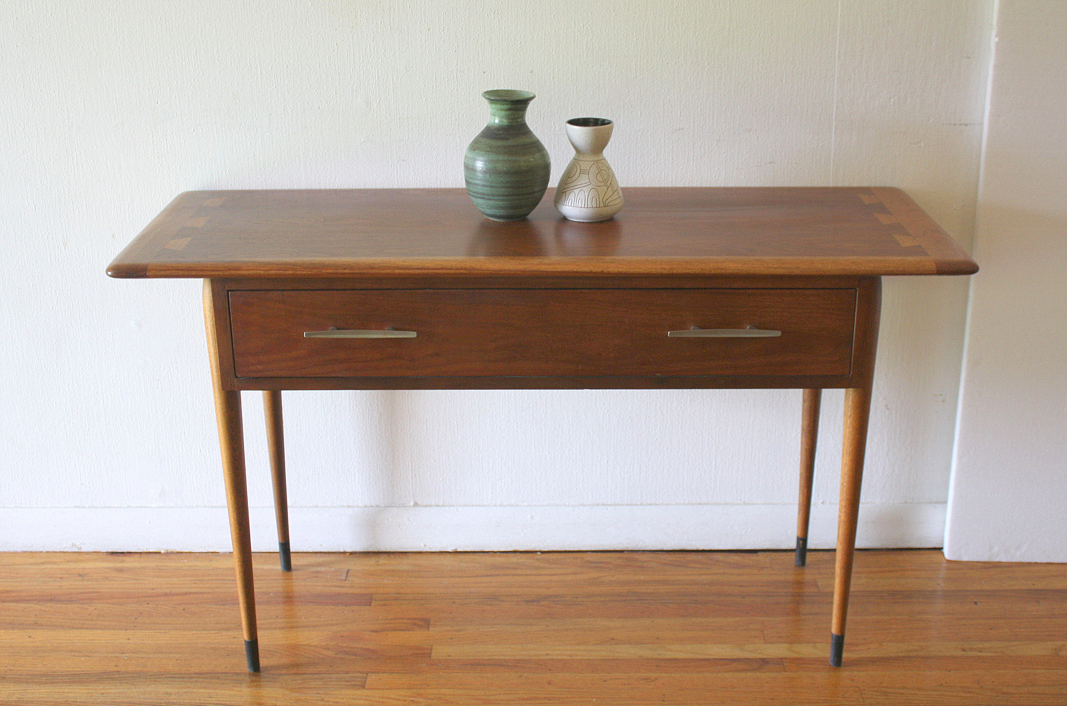 Lane Acclaim console table 1.JPG