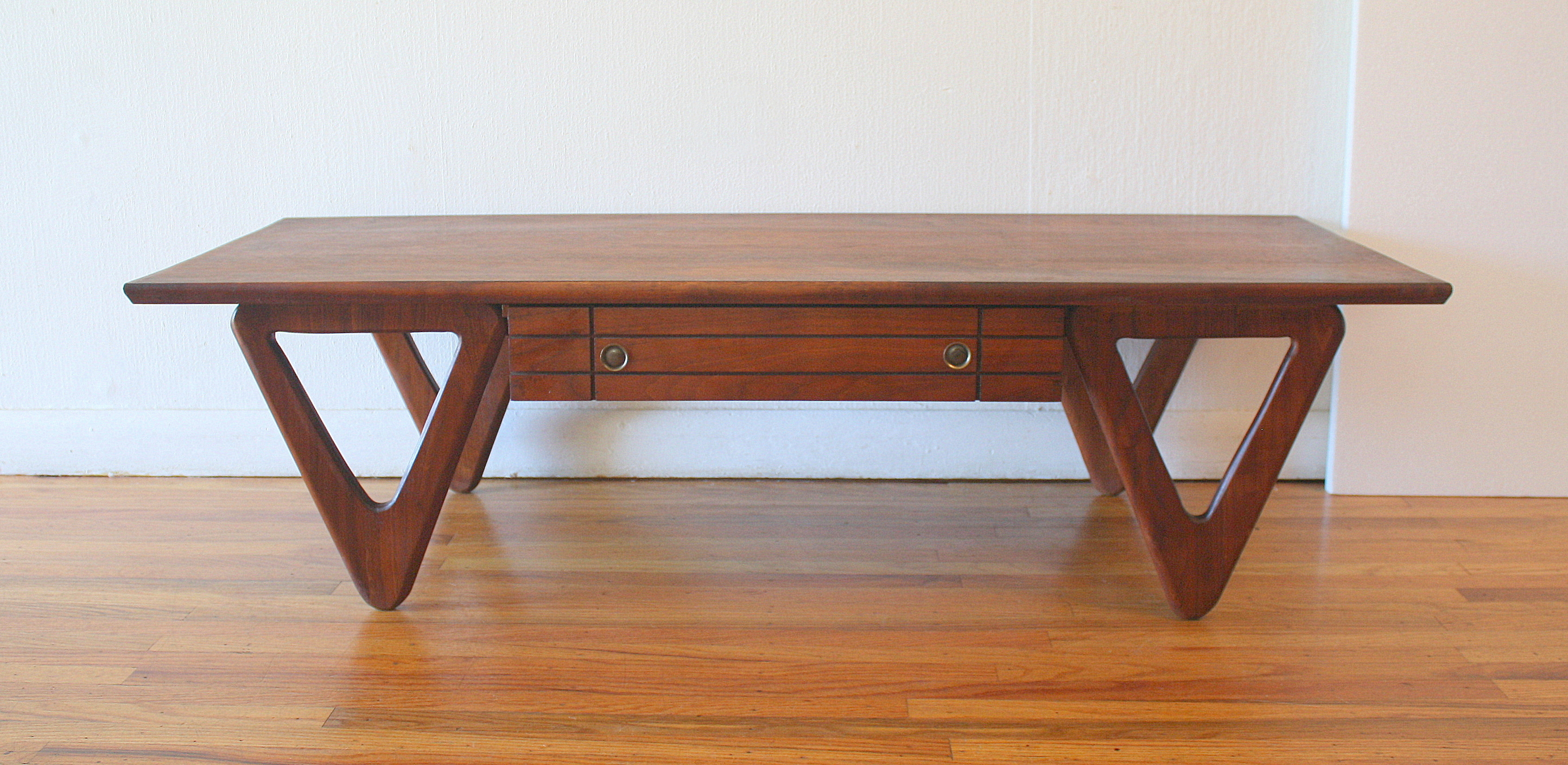mcm coffee table with angled sculpted base 4
