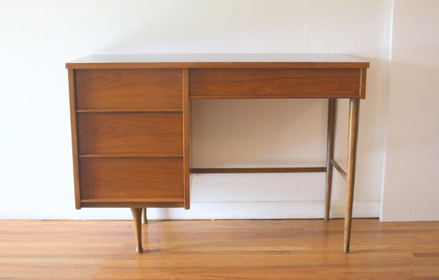 mcm streamlined desk 1