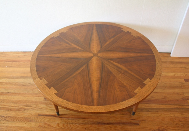 Lane Acclaim round coffee table 2.JPG