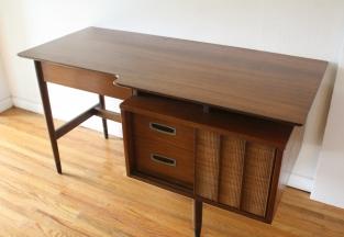 Hooker floating desk with bookshelf 1