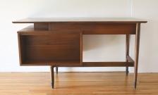 Hooker floating desk with bookshelf 4